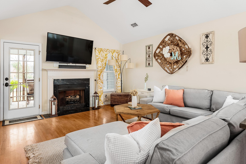 Ocean Neighbors Homes For Sale - 967 Clearspring, Charleston, SC - 3