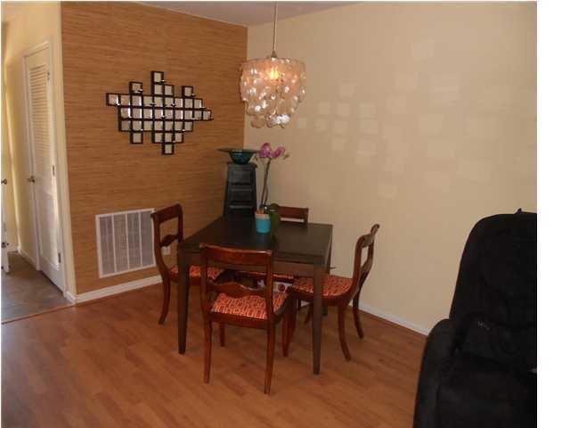 Island Bluff Homes For Sale - 886 Simpkins, Charleston, SC - 12