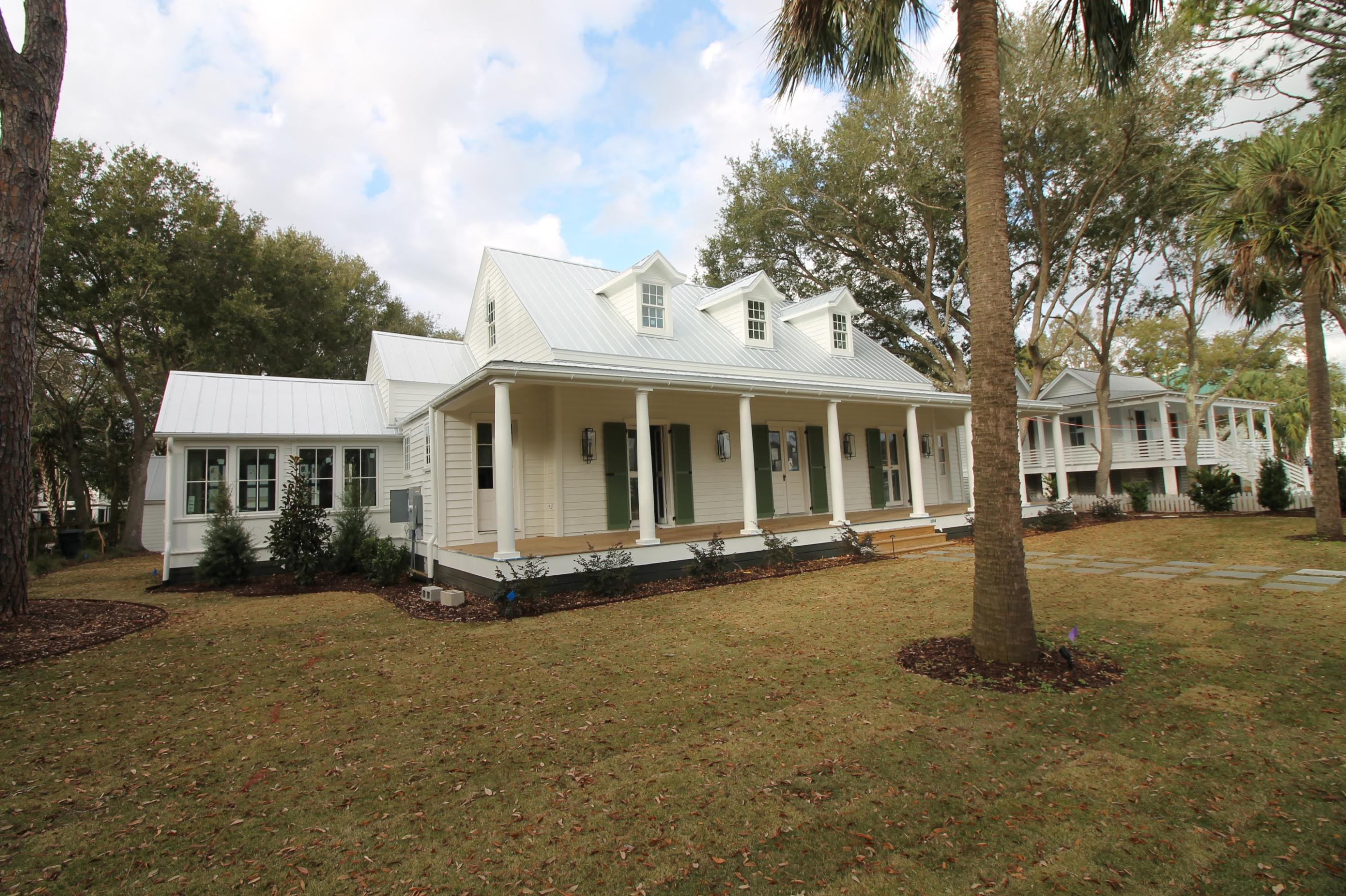 Sullivans Island Homes For Sale - 2014 Middle, Sullivans Island, SC - 18