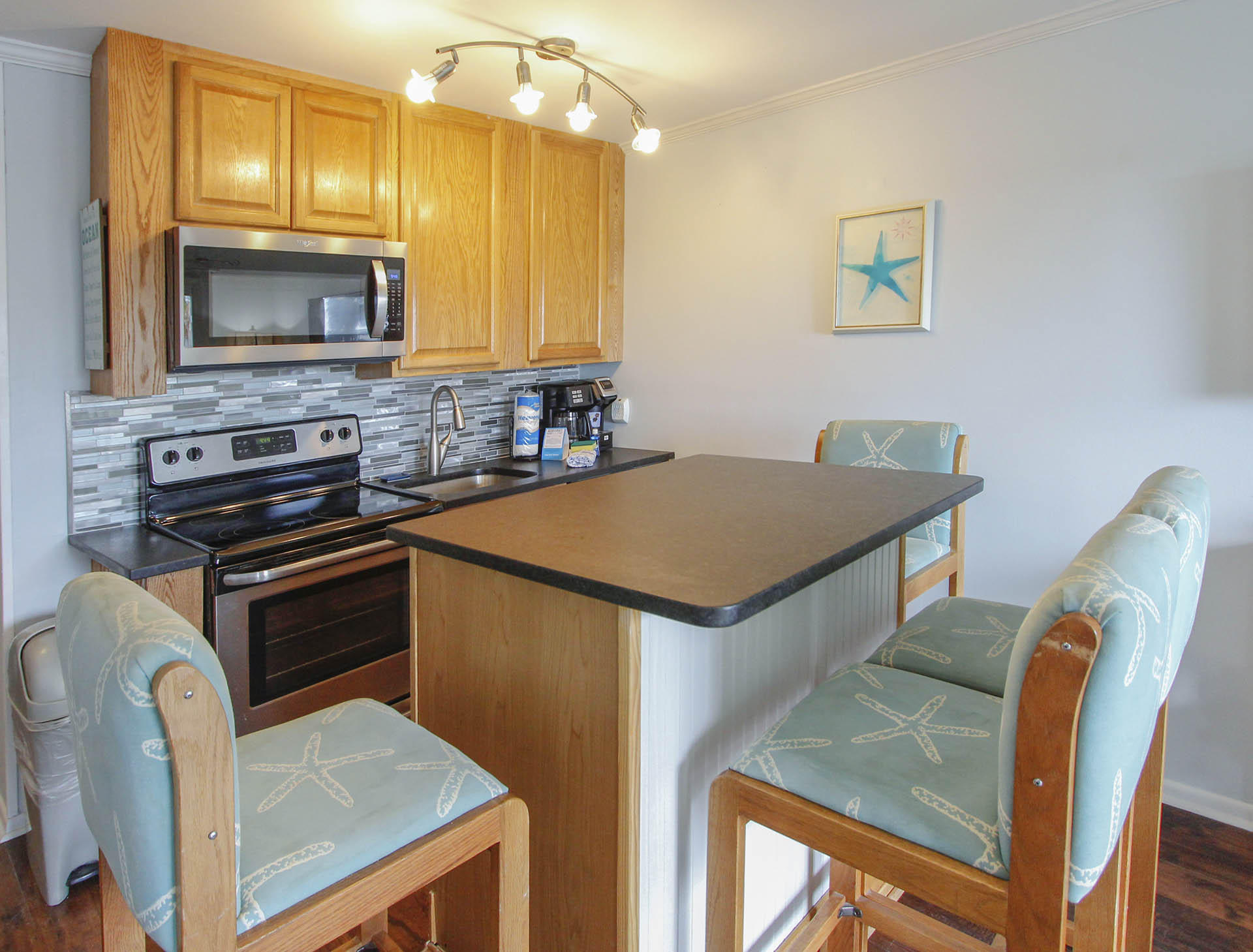 Sea Cabin On The Ocean Homes For Sale - 1300 Ocean, Isle of Palms, SC - 18