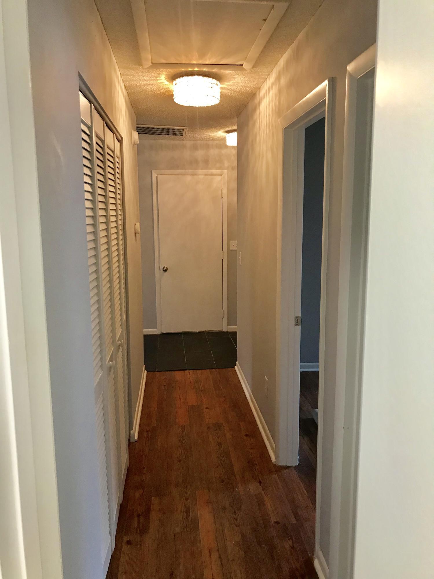 Willow Walk Homes For Sale - 1102 Oakcrest, Charleston, SC - 8
