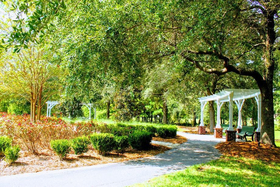White Gables Homes For Sale - 207 Angelica, Summerville, SC - 5