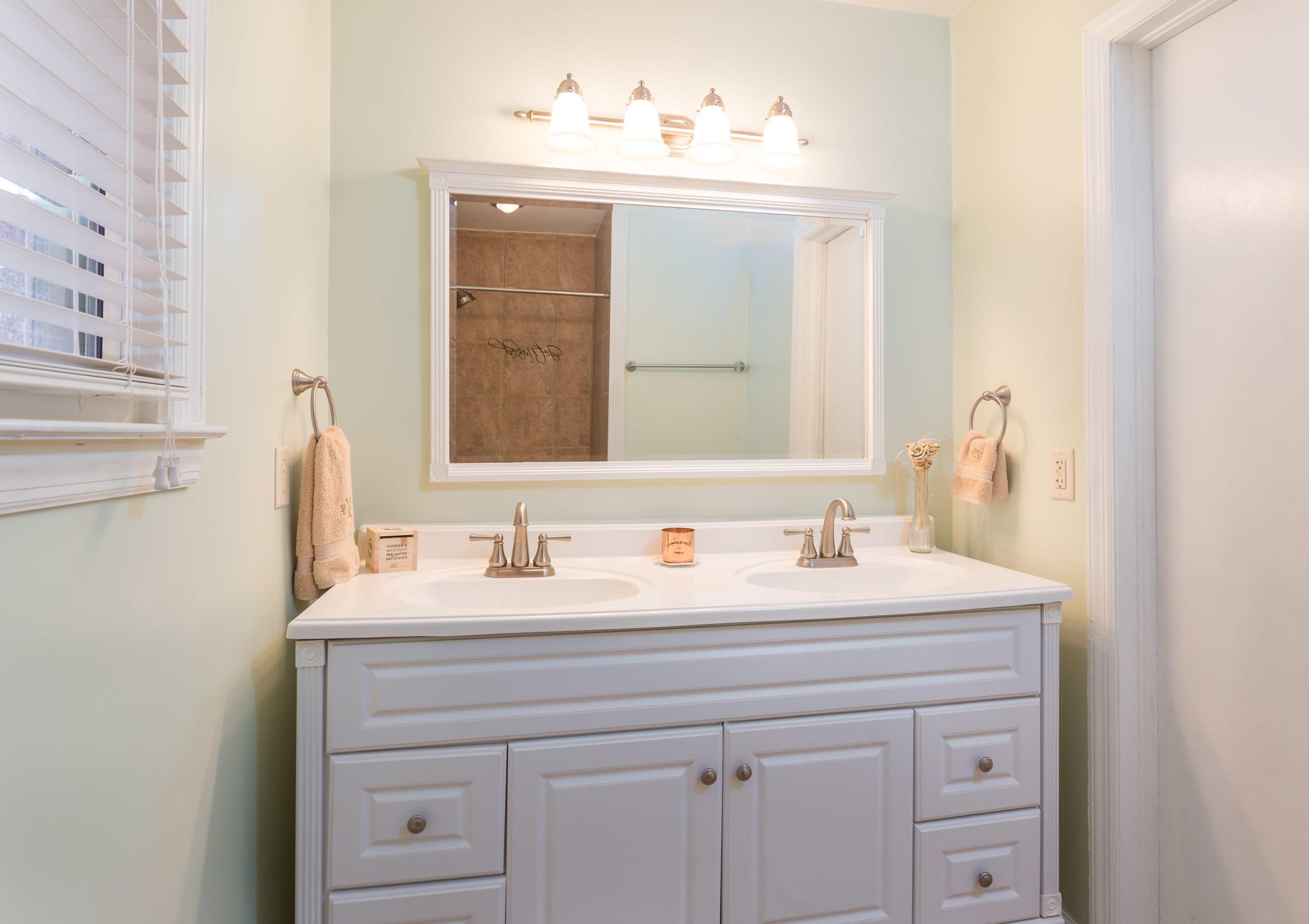 Lenevar Homes For Sale - 30 Carson, Charleston, SC - 11