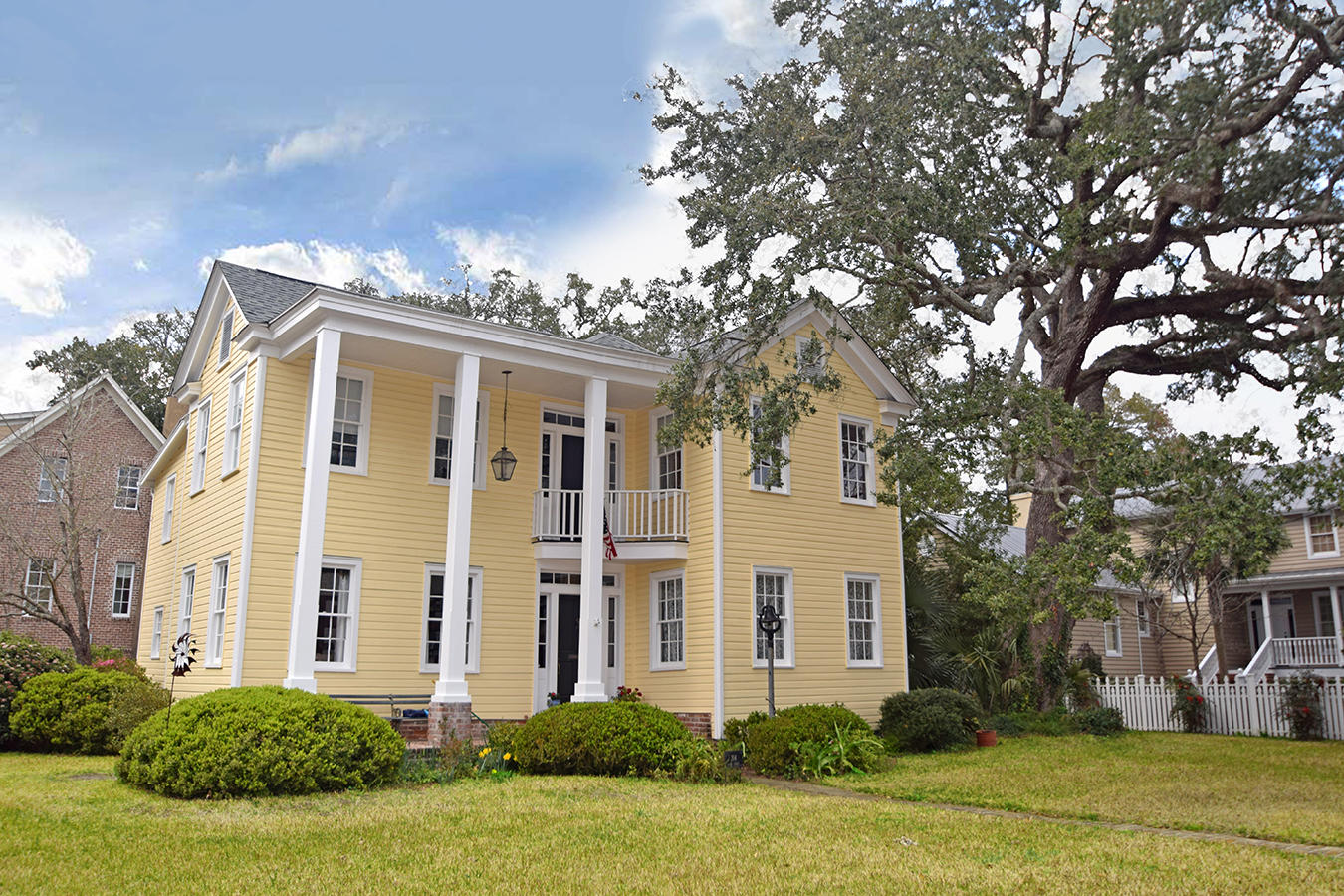 Old Village Homes For Sale - 304 Bank, Mount Pleasant, SC - 13