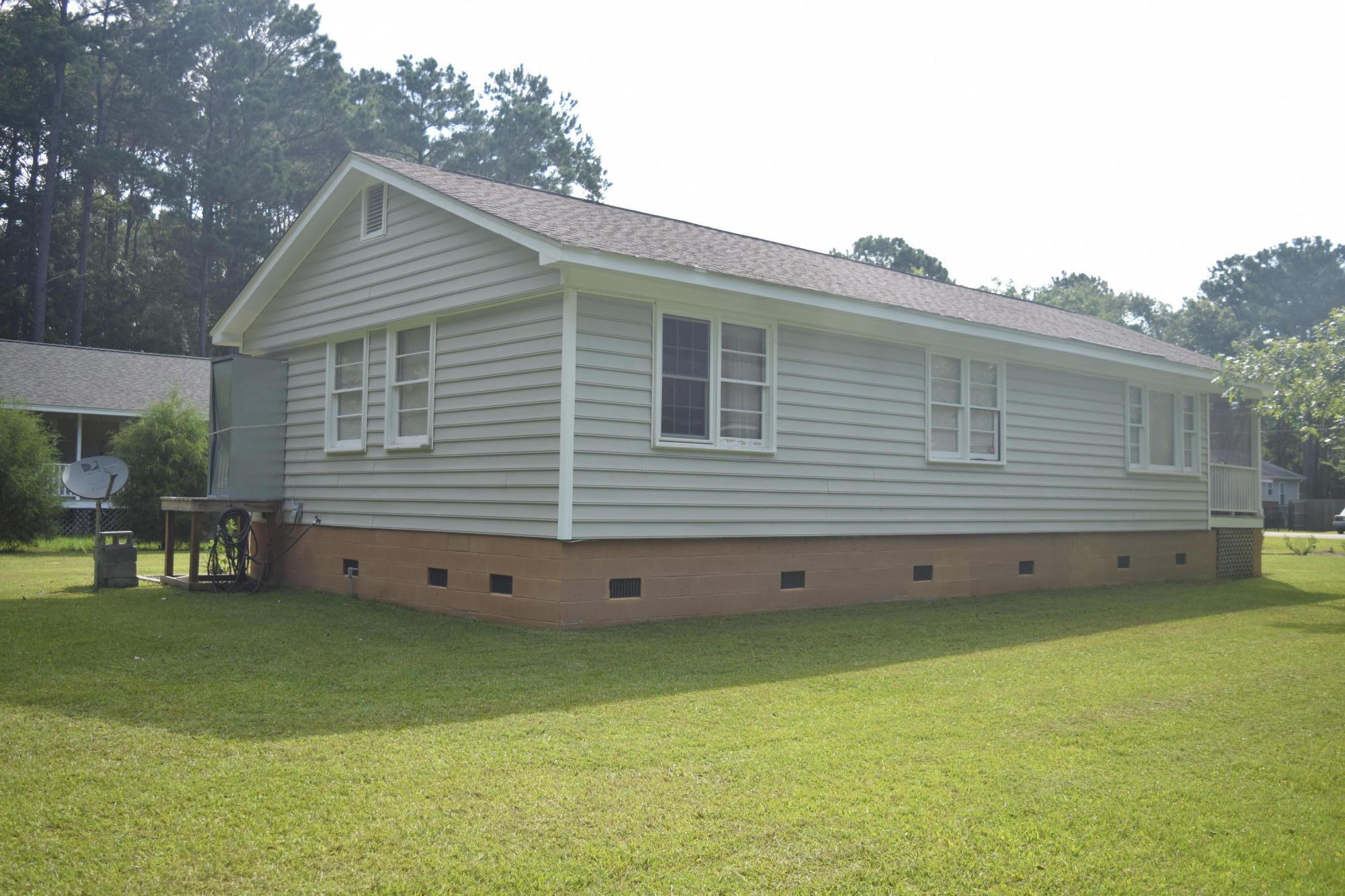 Ravenel Acres Homes For Sale - 2962 Bobo, Mount Pleasant, SC - 4
