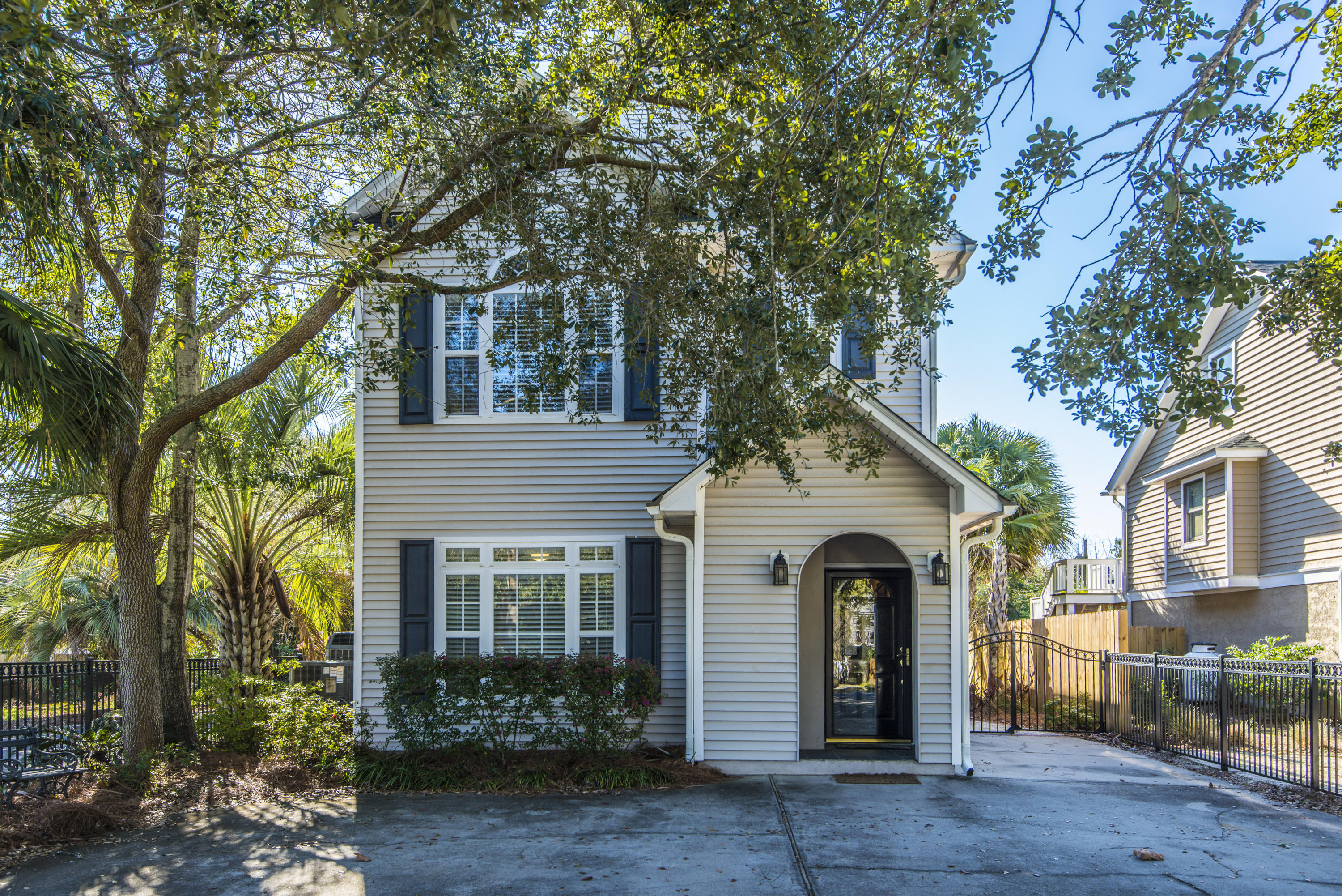 808 Carolina Boulevard Isle of Palms $1,080,000.00