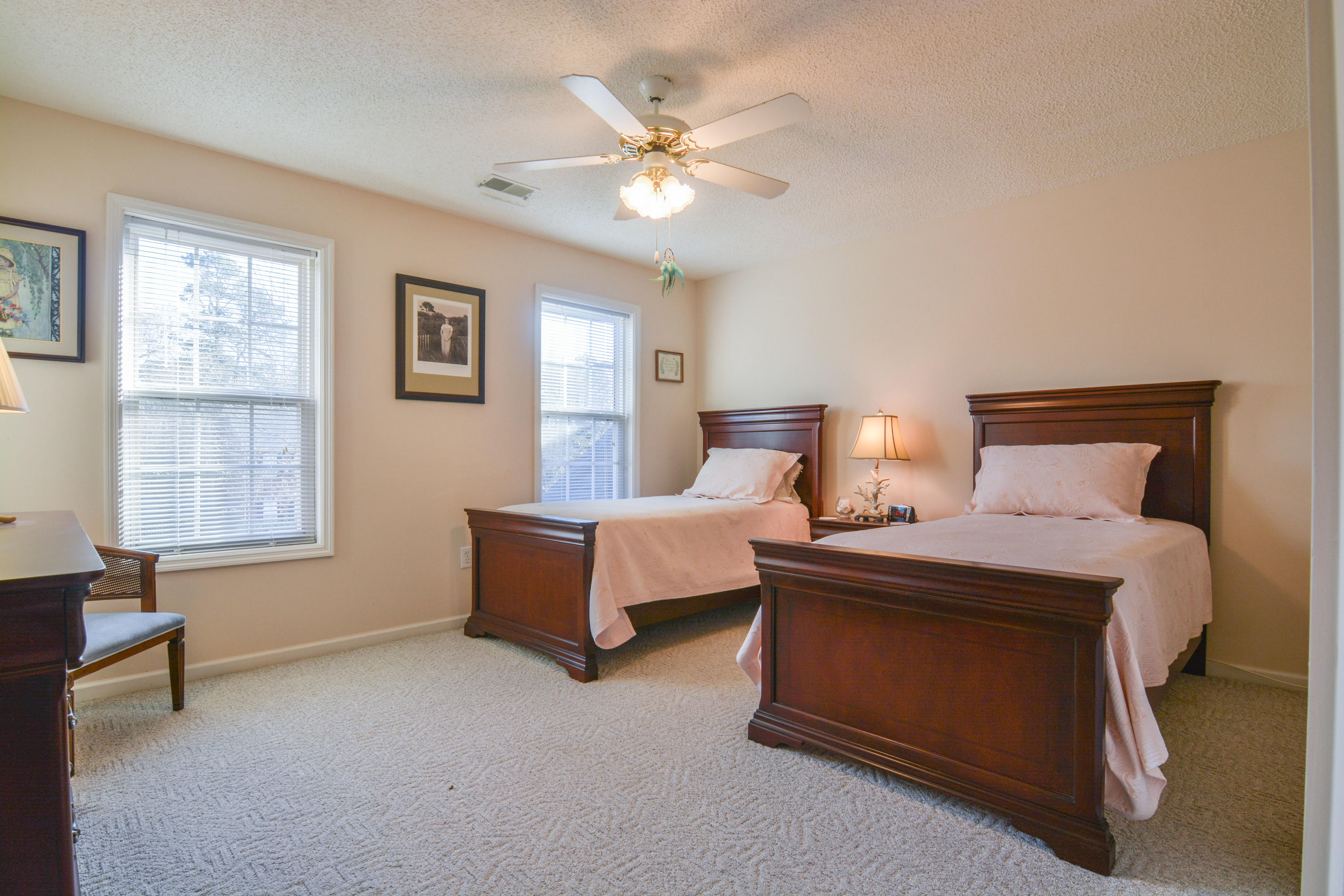 Photo of 147 Loganberry