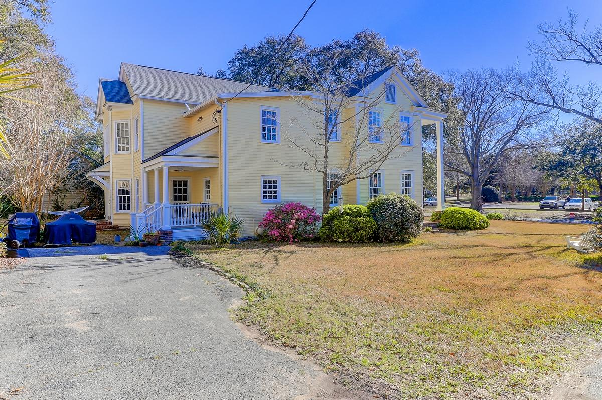 Old Village Homes For Sale - 304 Bank, Mount Pleasant, SC - 2