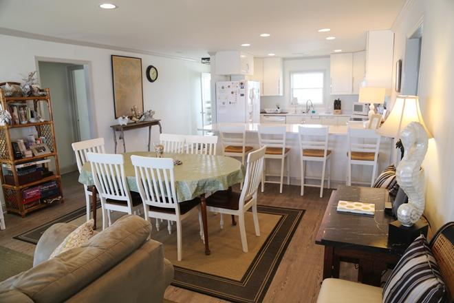 Beachfront Homes For Sale - 208 Palmetto, Edisto Beach, SC - 12