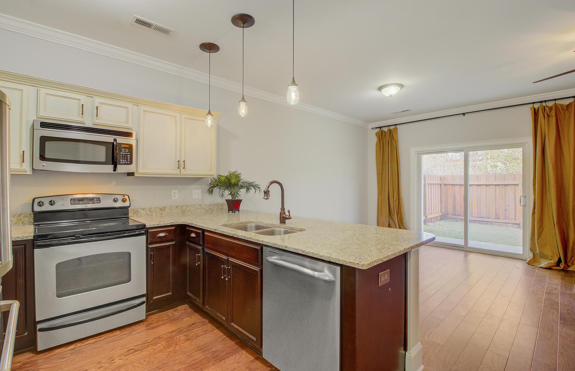 Carol Oaks Town Homes Homes For Sale - 2960 Emma, Mount Pleasant, SC - 4