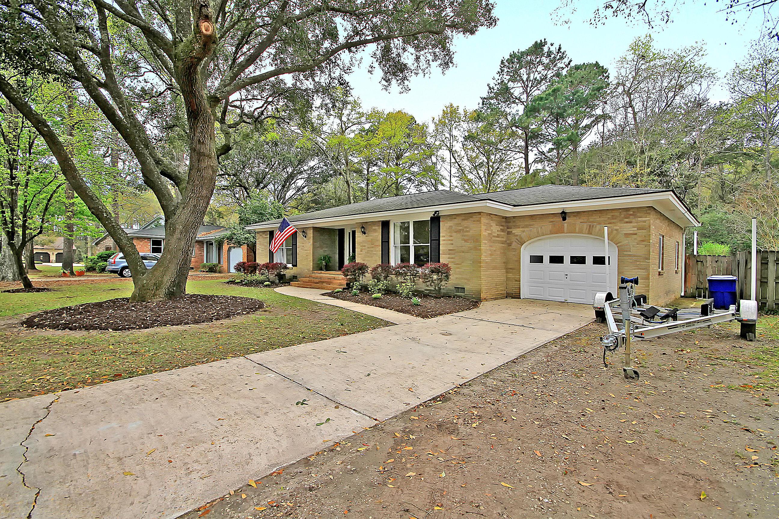 Parish Place Homes For Sale - 815 Abcaw, Mount Pleasant, SC - 1