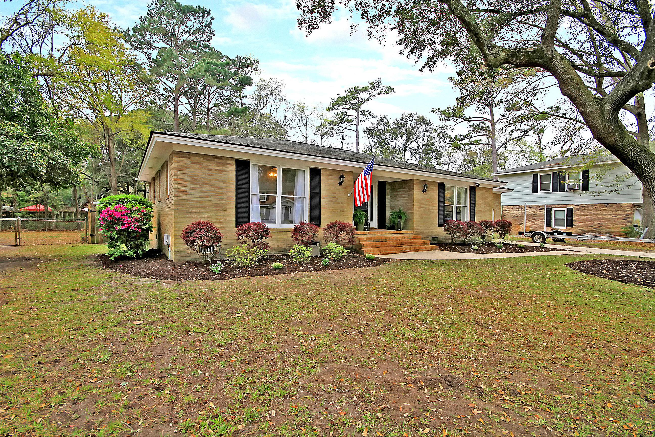 Parish Place Homes For Sale - 815 Abcaw, Mount Pleasant, SC - 2