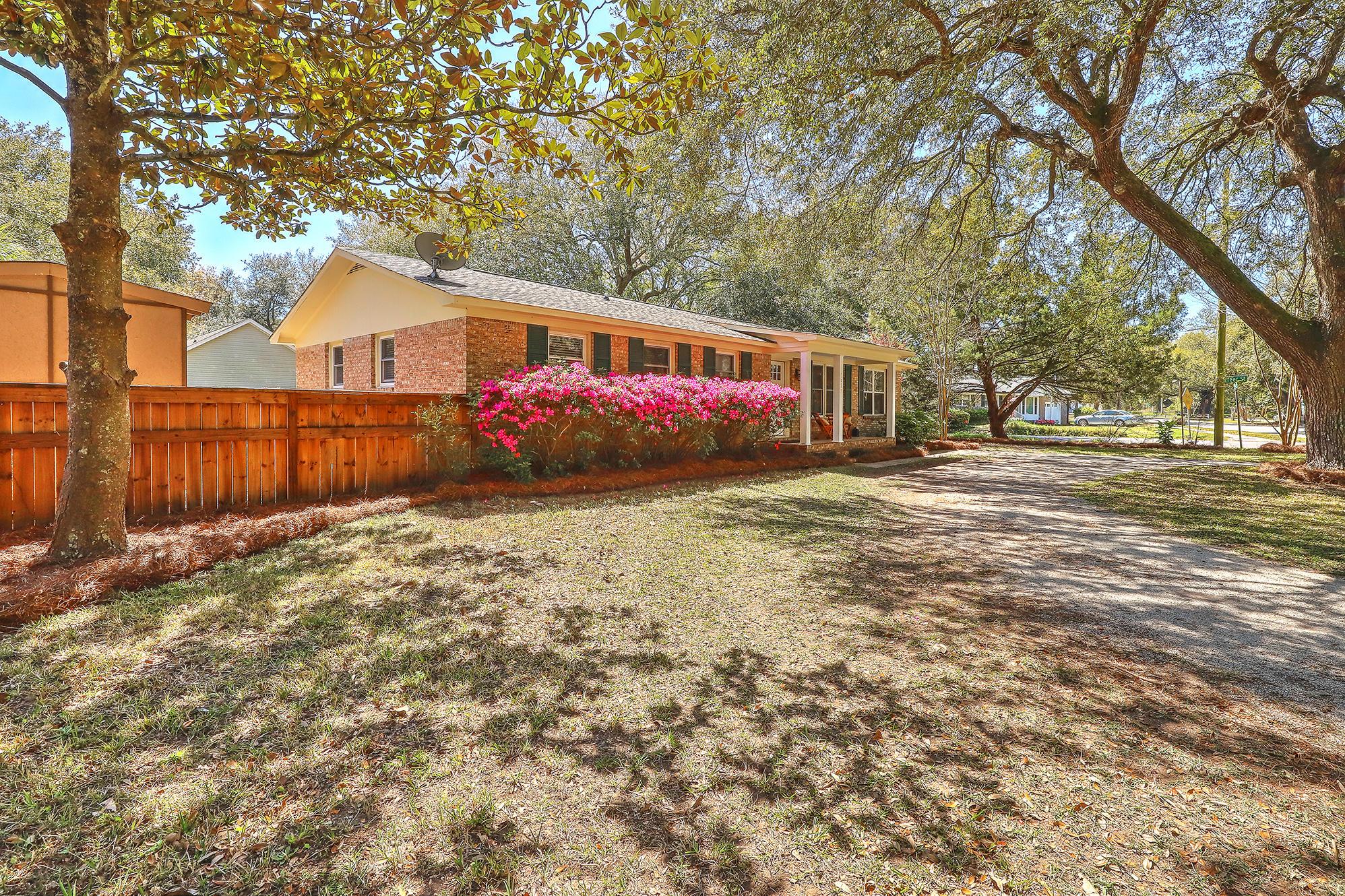 Greencrest Homes For Sale - 1523 Fort Johnson, Charleston, SC - 10