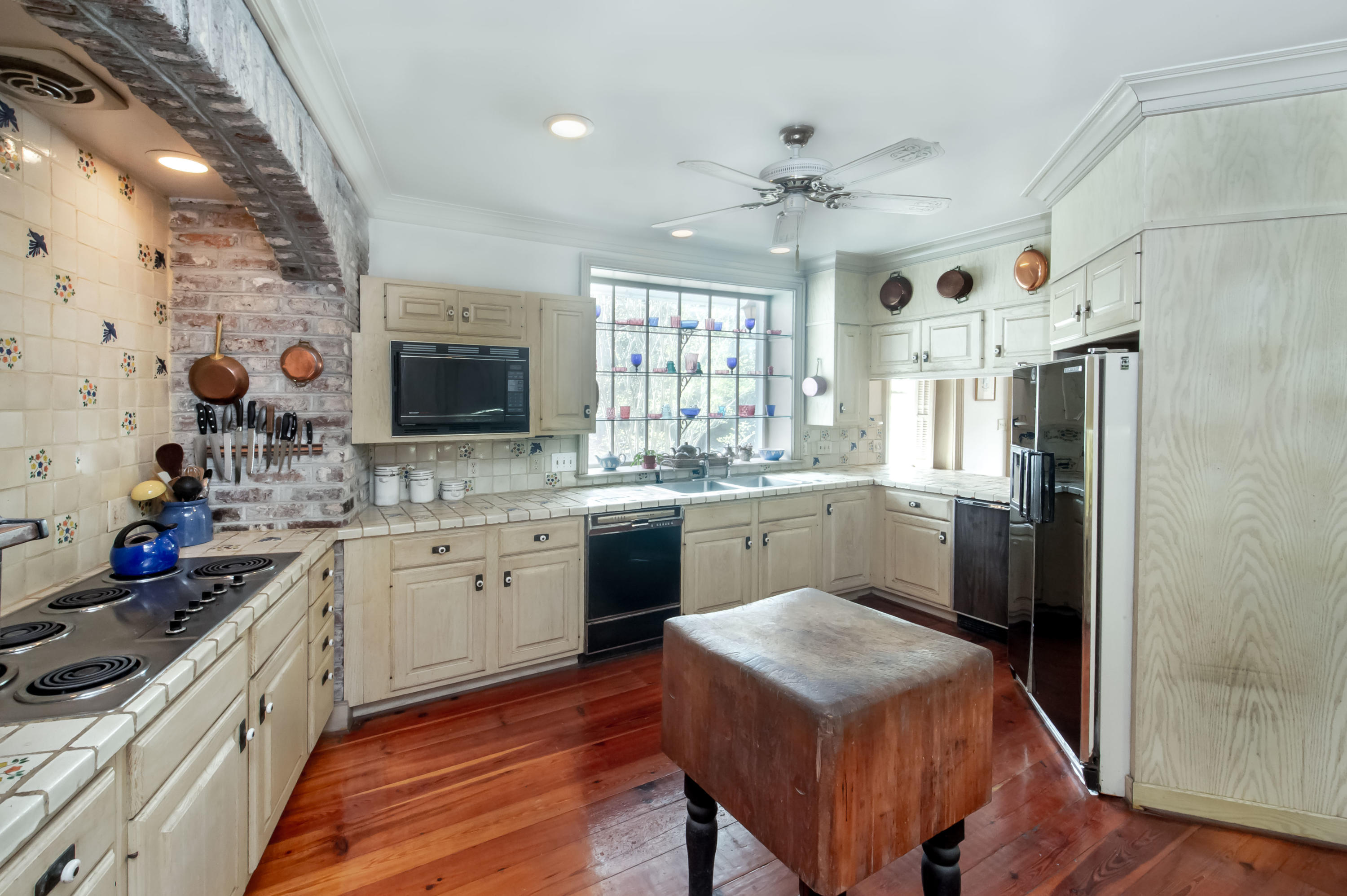 South of Broad Homes For Sale - 26 South Battery, Charleston, SC - 20