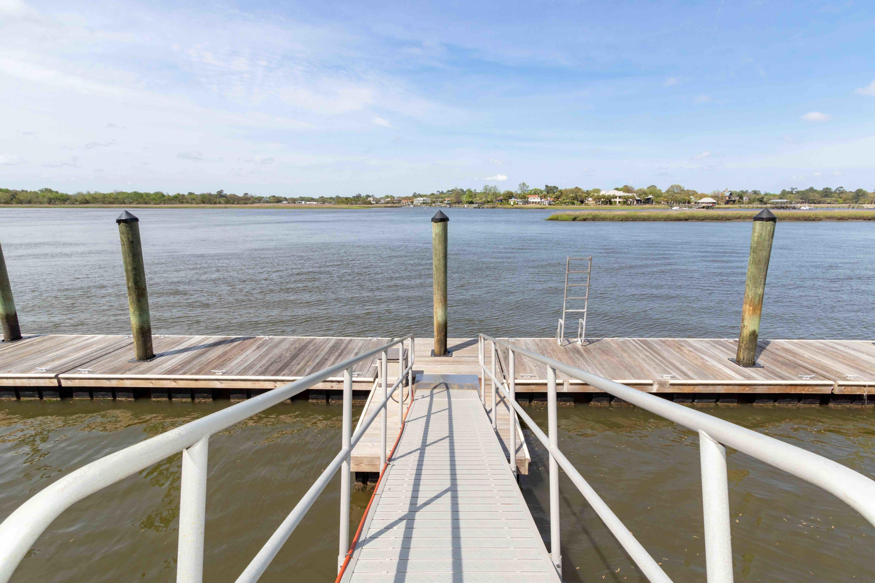 Waterfront Plantation Homes For Sale - 107 Waterfront Plantation, Charleston, SC - 25