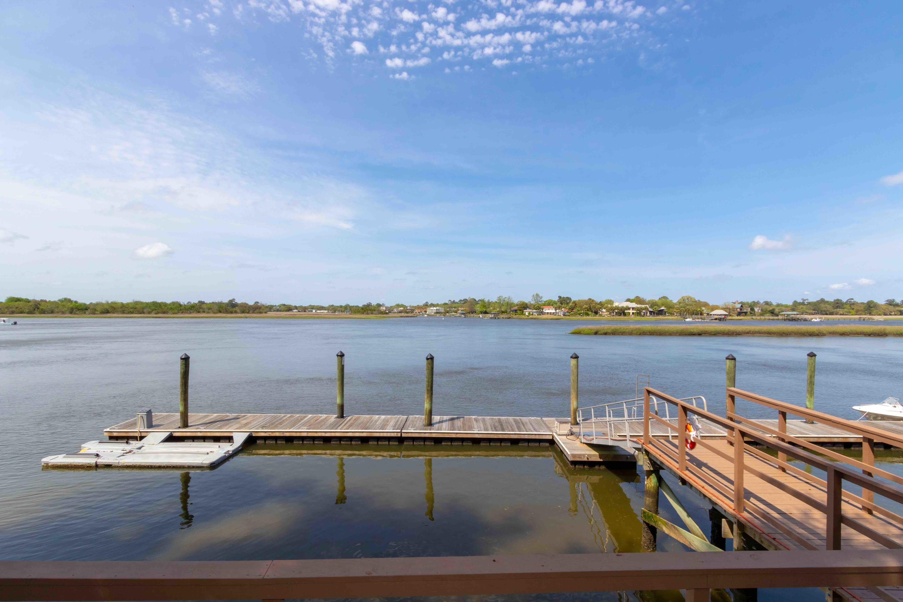 Waterfront Plantation Homes For Sale - 107 Waterfront Plantation, Charleston, SC - 24