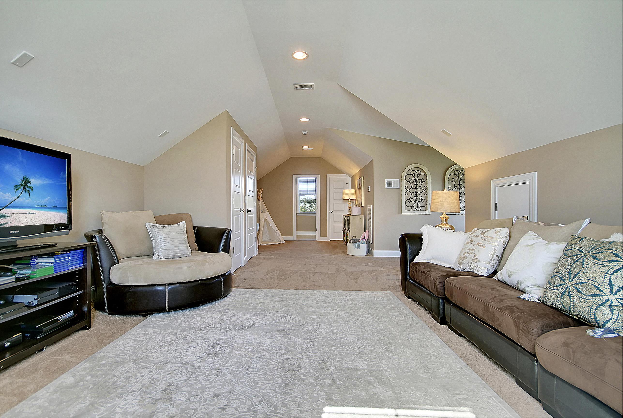 Carnes Crossroads Homes For Sale - 827 Buckler, Summerville, SC - 13