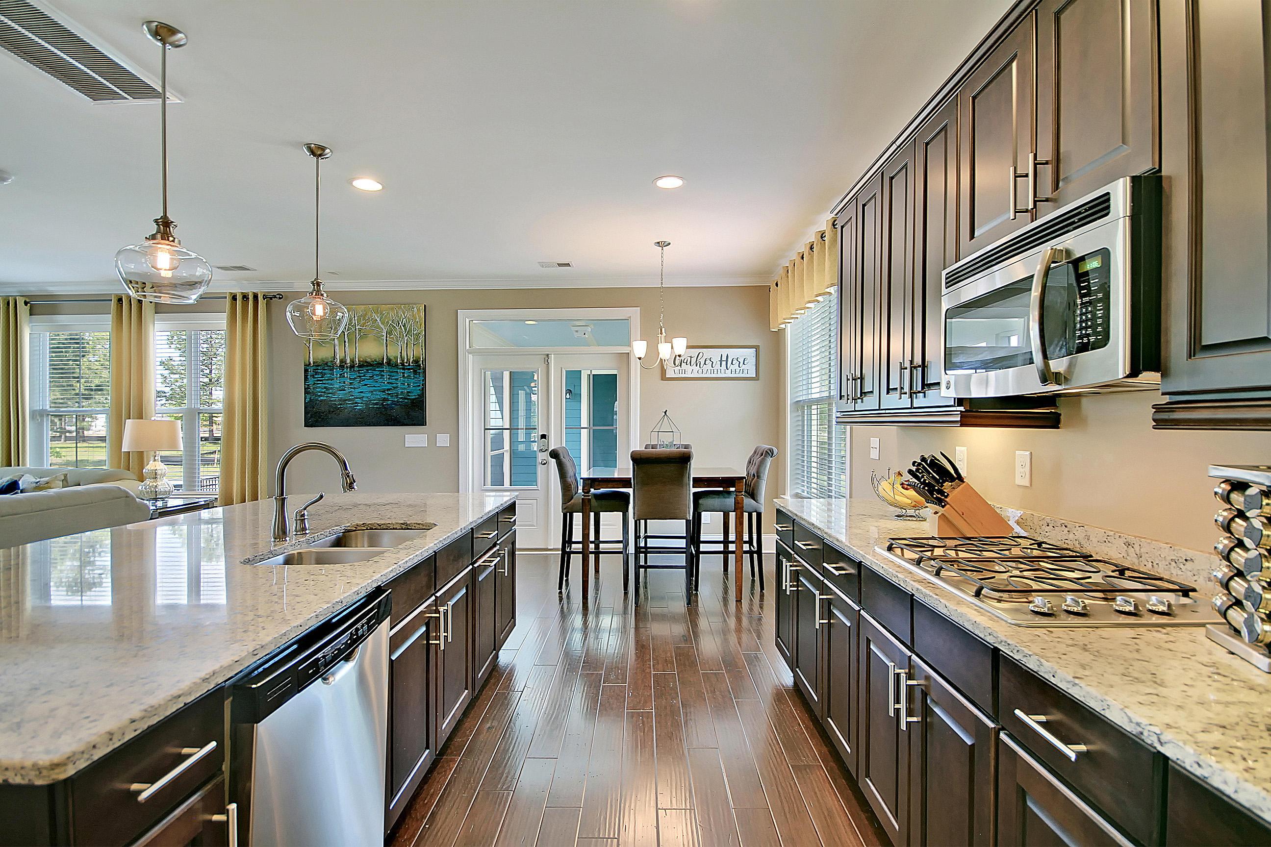 Carnes Crossroads Homes For Sale - 827 Buckler, Summerville, SC - 38
