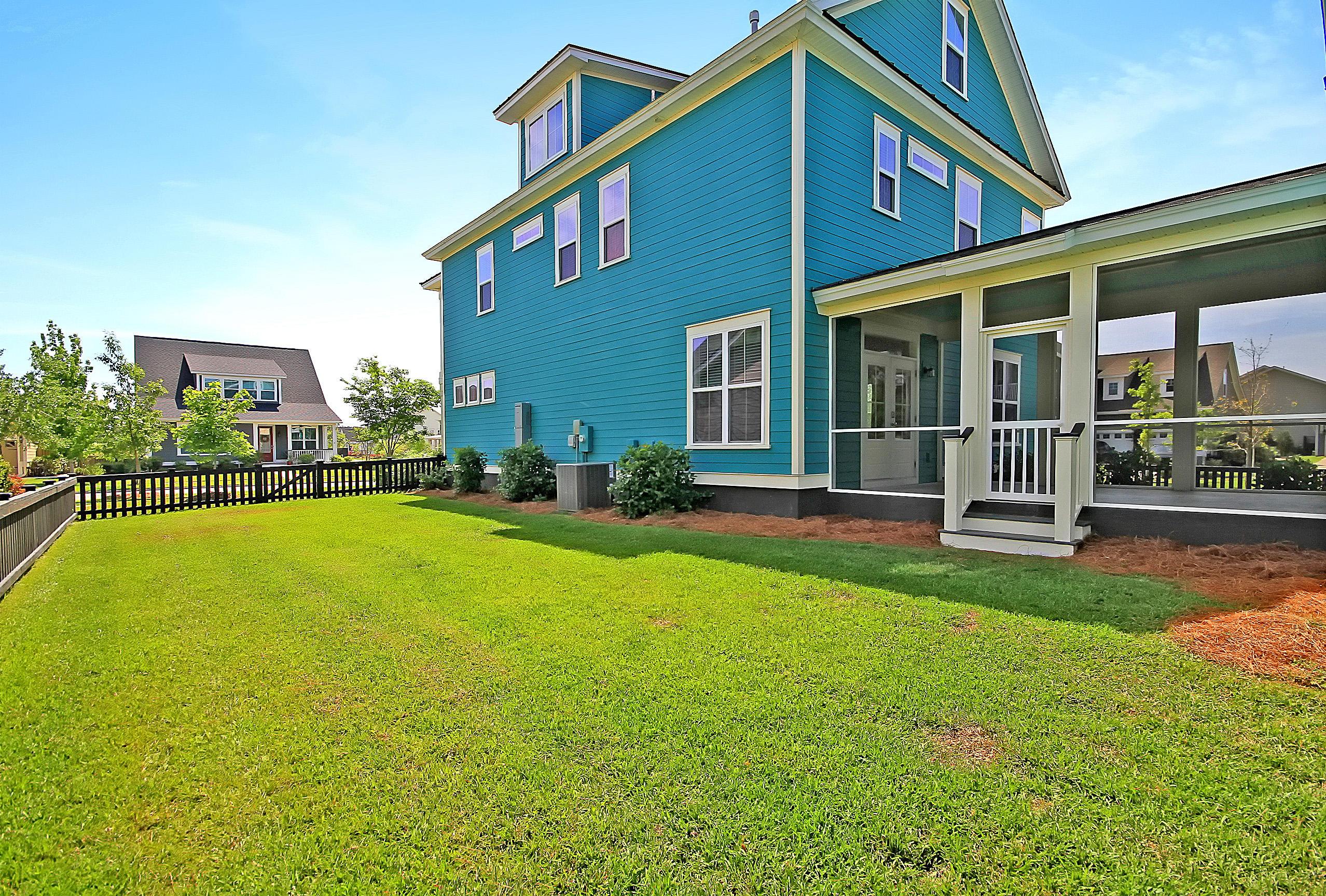 Carnes Crossroads Homes For Sale - 827 Buckler, Summerville, SC - 2