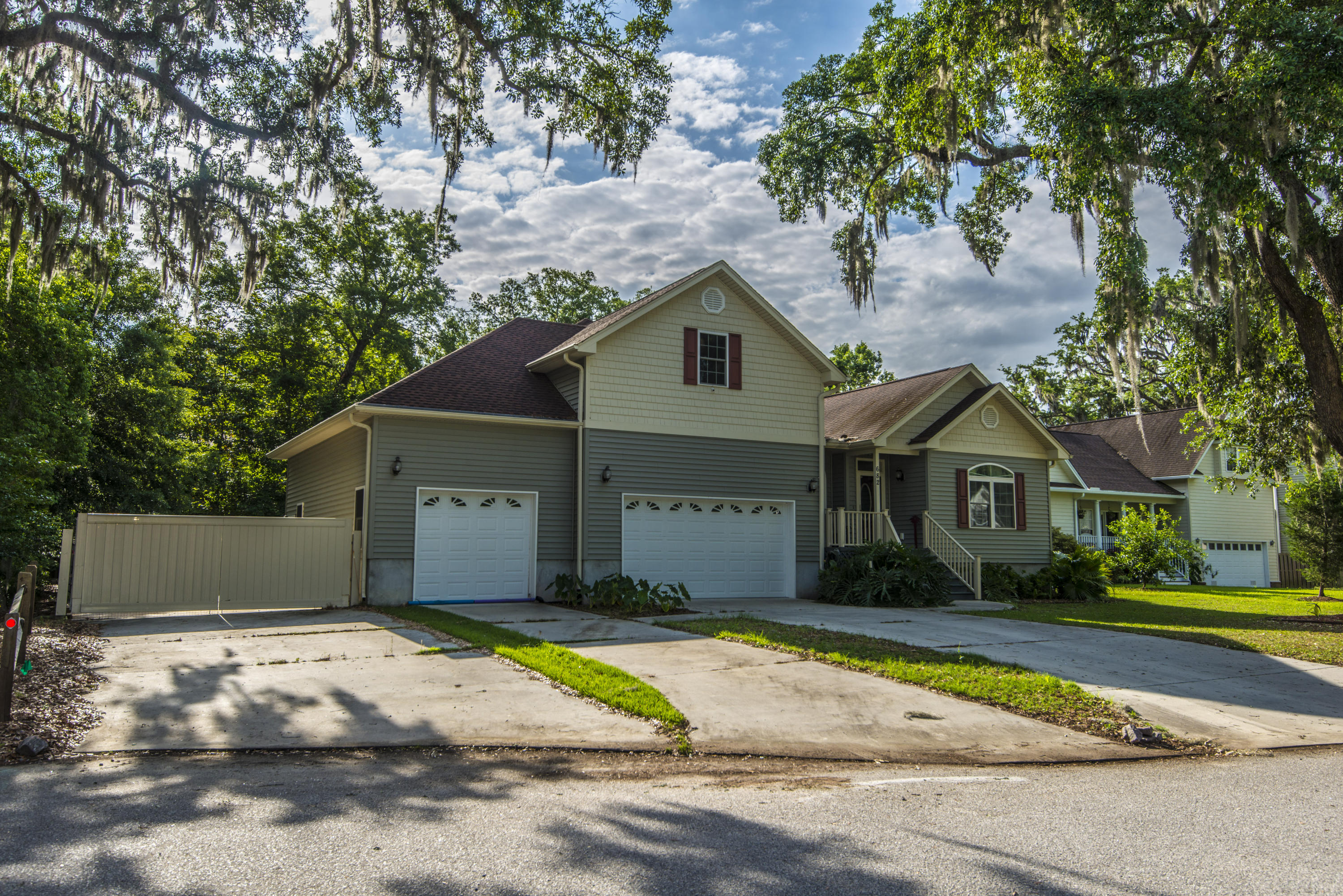 Photo of 682 Eden Tree Pl, Charleston, SC 29412