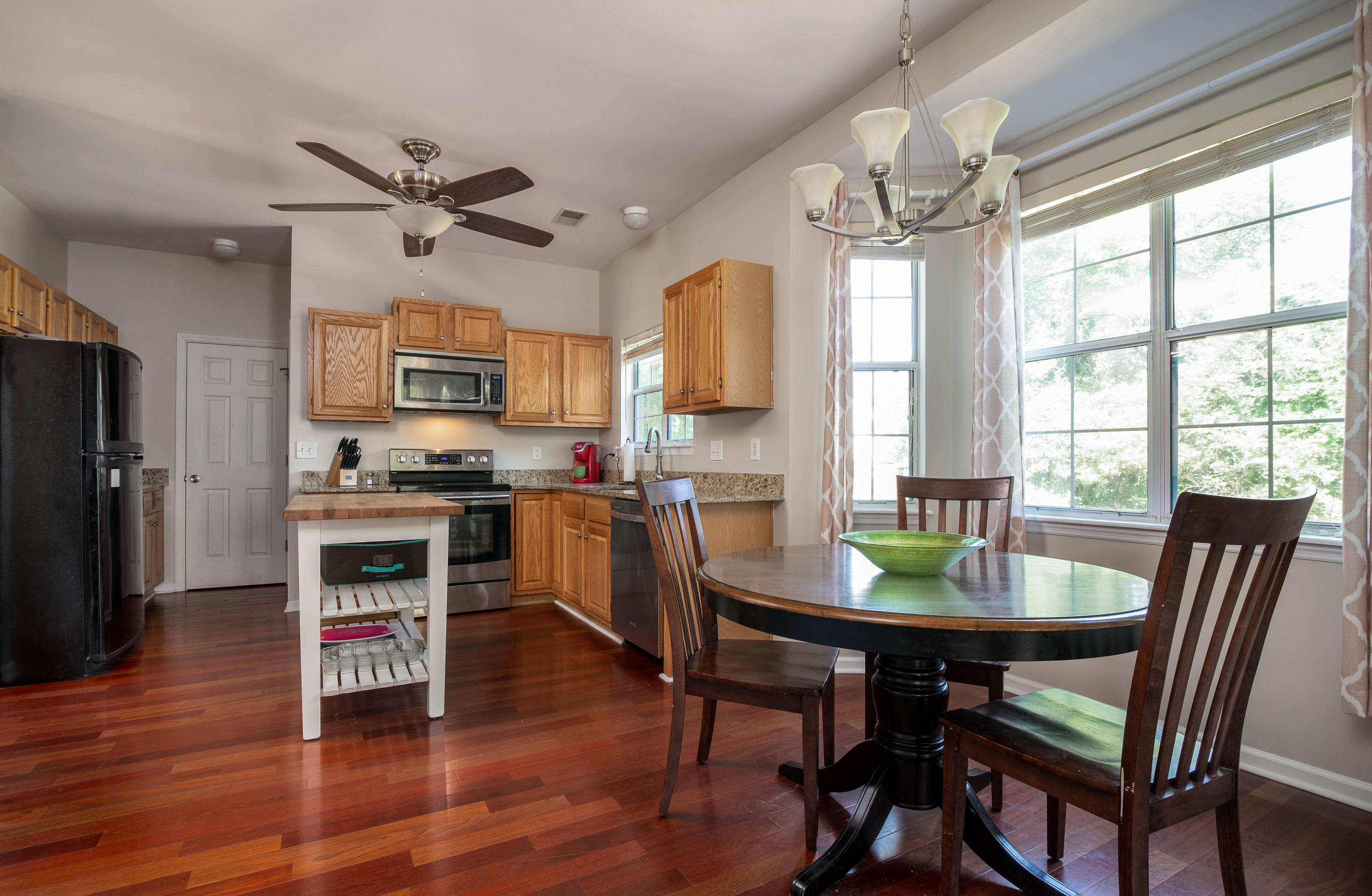 Photo of 335 Old S Way, Mt Pleasant, SC 29464