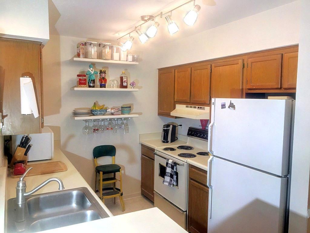 Hibben Ferry Homes For Sale - 1054 Anna Knapp Blvd., Mount Pleasant, SC - 10