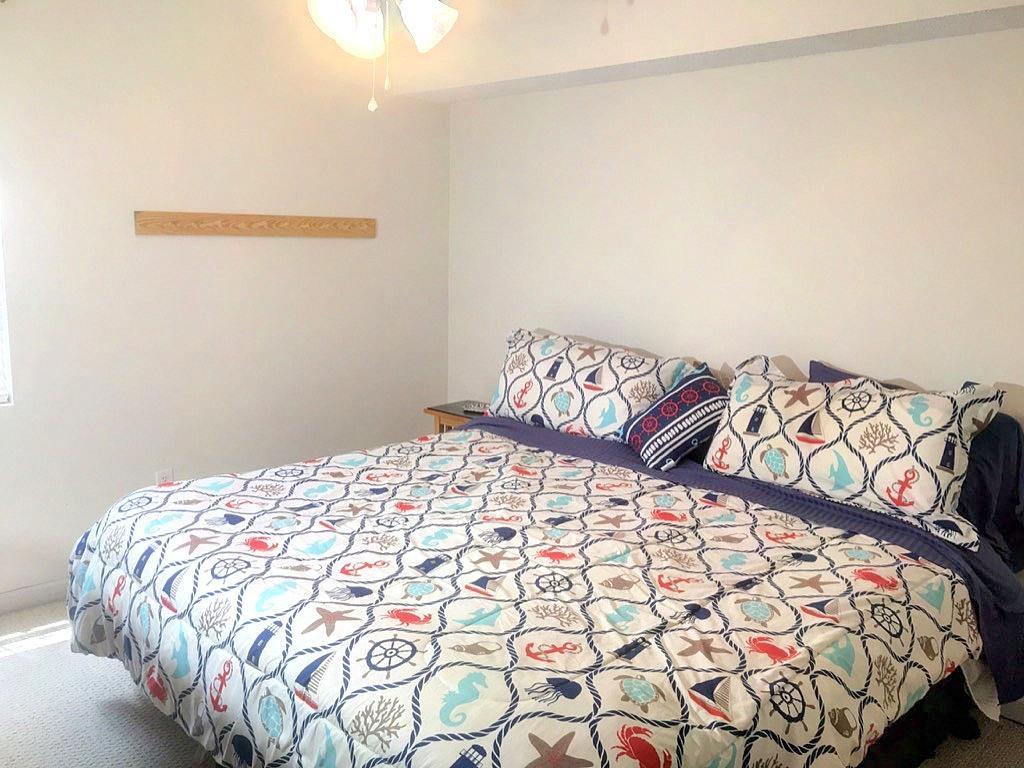Hibben Ferry Homes For Sale - 1054 Anna Knapp Blvd., Mount Pleasant, SC - 1