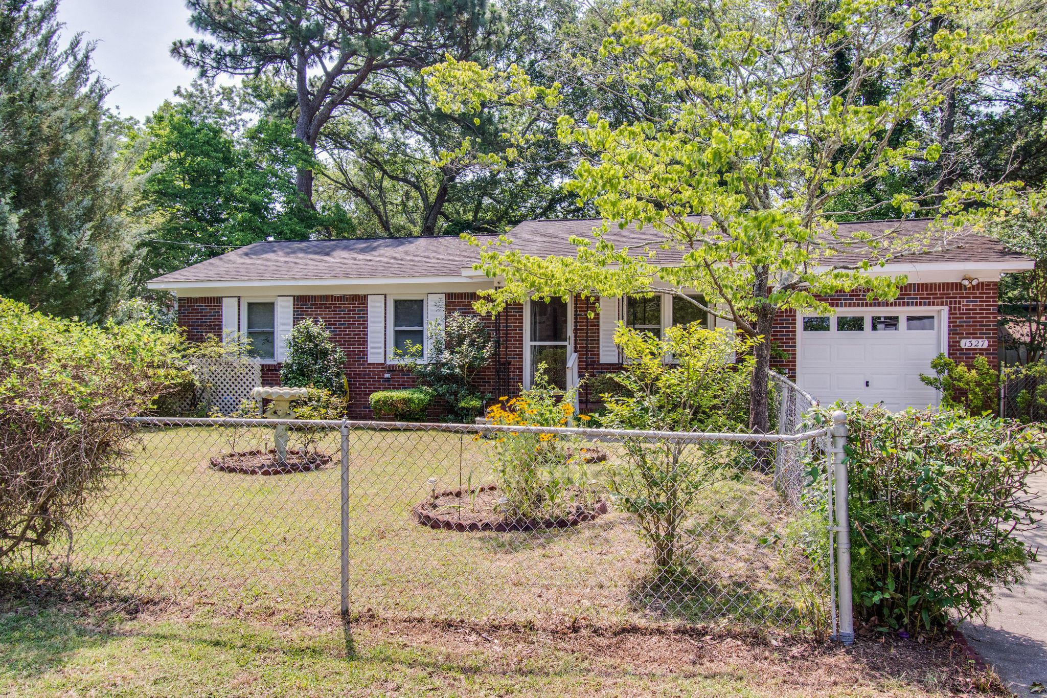 Old Mt Pleasant Homes For Sale - 1327 Lonnie, Mount Pleasant, SC - 2