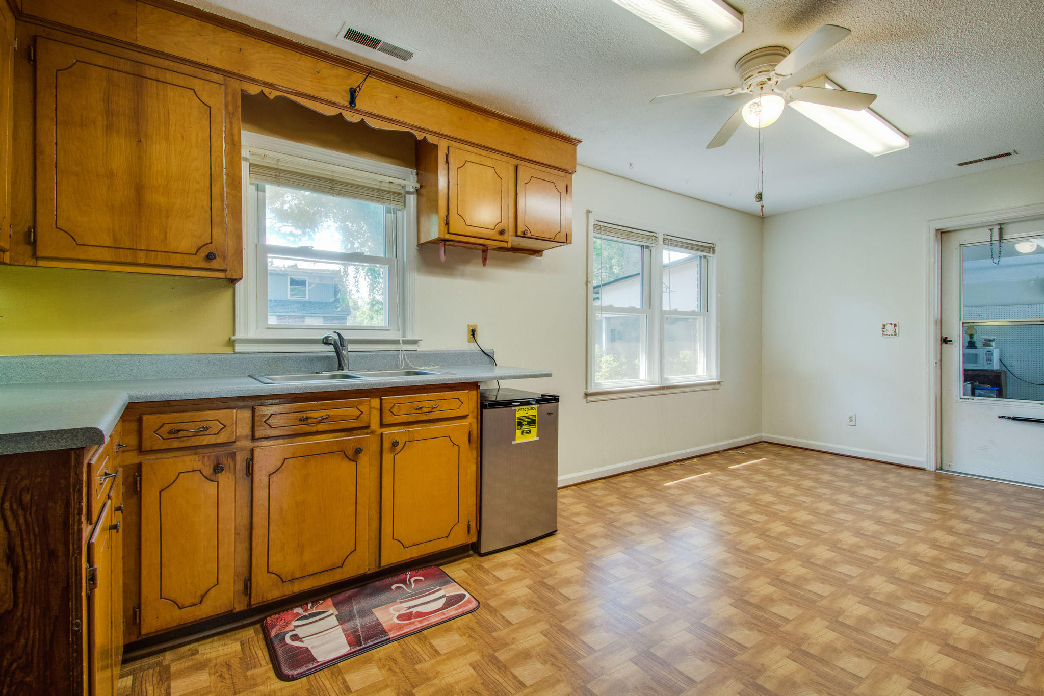 Old Mt Pleasant Homes For Sale - 1327 Lonnie, Mount Pleasant, SC - 16