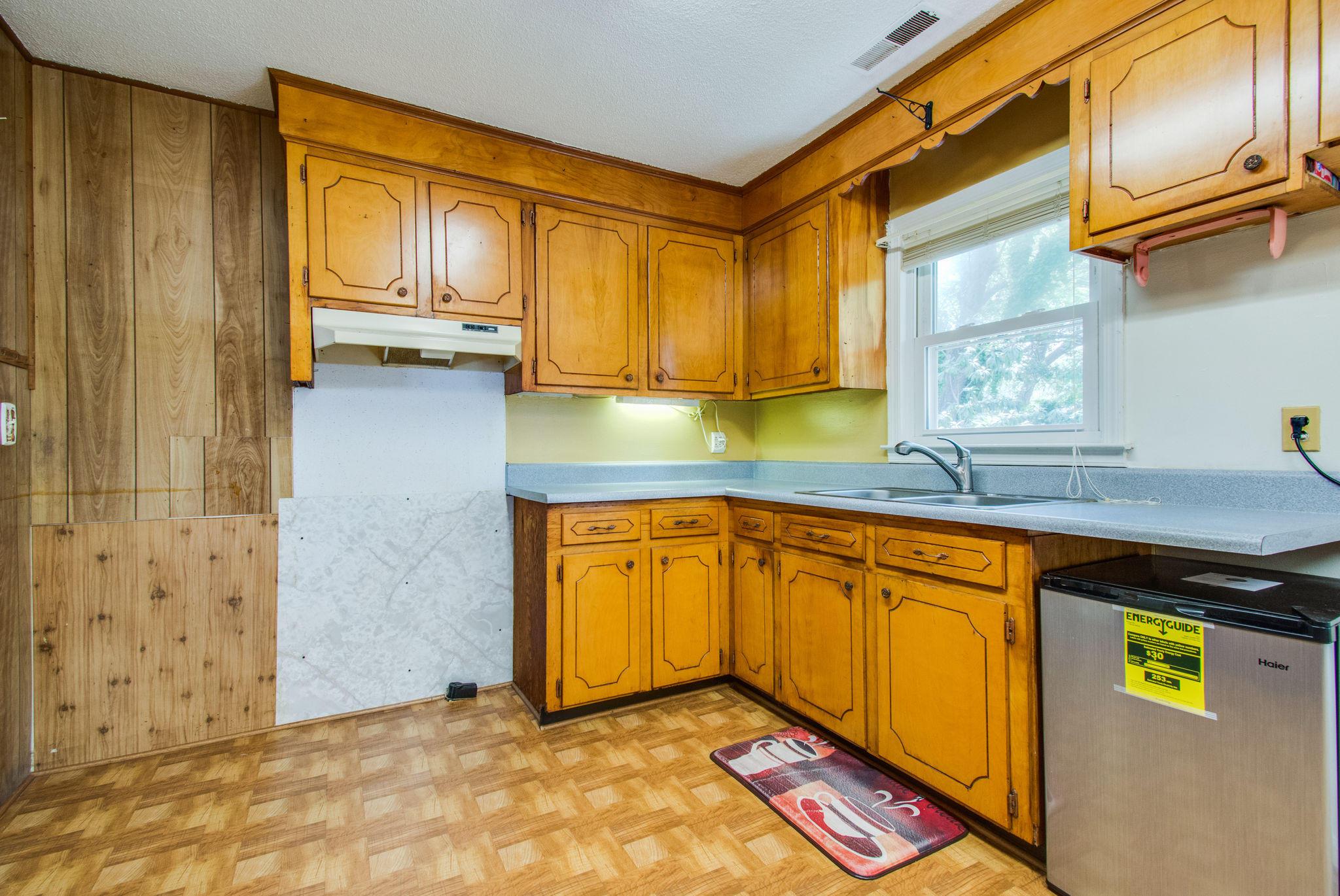 Old Mt Pleasant Homes For Sale - 1327 Lonnie, Mount Pleasant, SC - 14