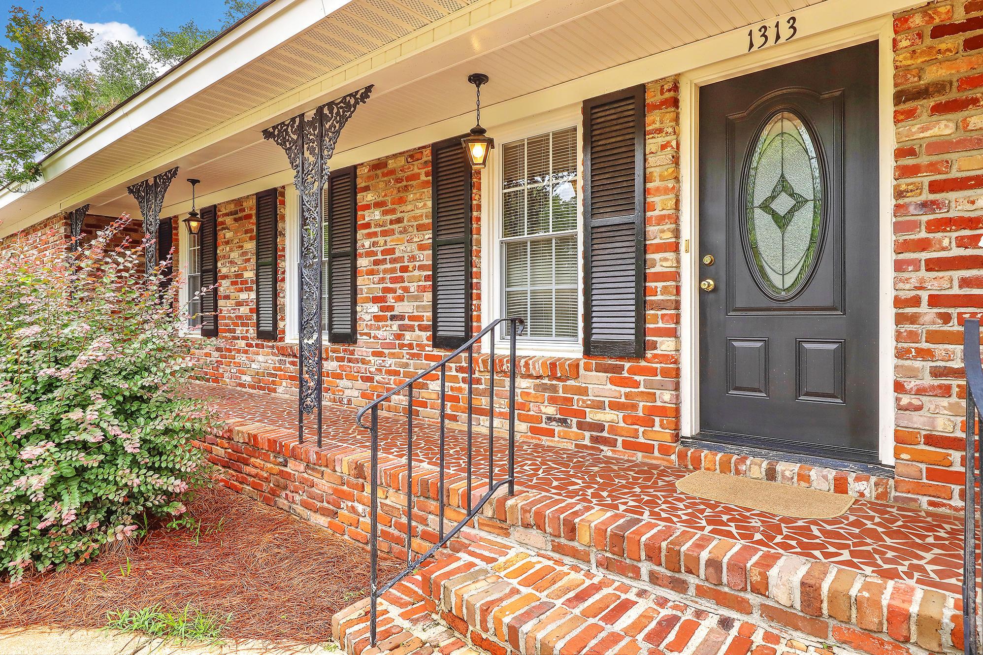 Charlestowne Estates III Homes For Sale - 1313 Coleridge, Charleston, SC - 6