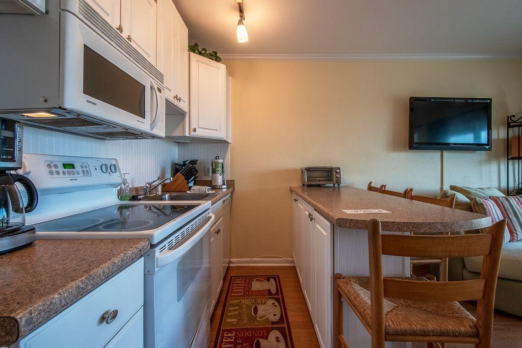Sea Cabin On The Ocean Homes For Sale - 1300 Ocean, Isle of Palms, SC - 4