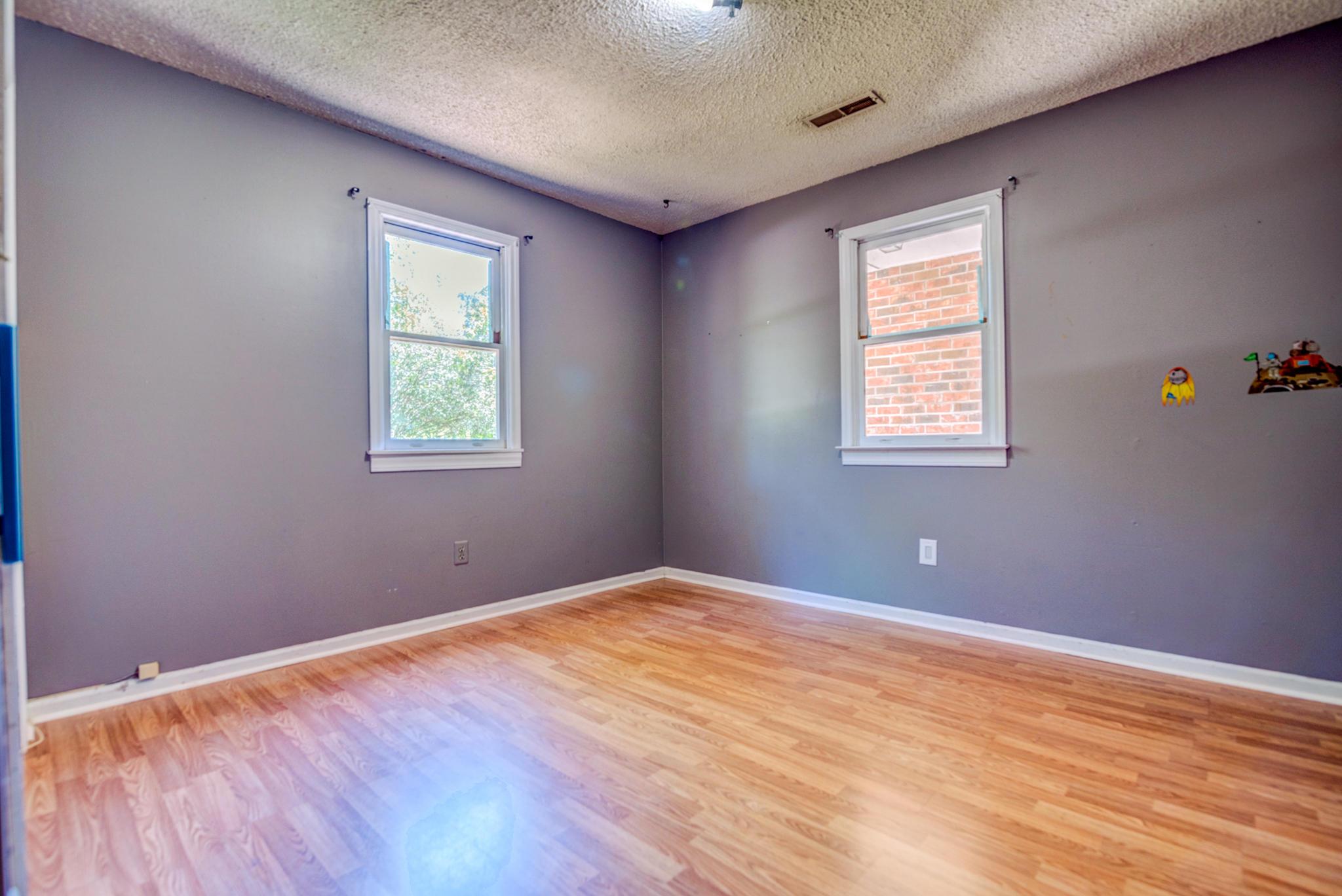 Fort Johnson Estates Homes For Sale - 800 Trapier, Charleston, SC - 2