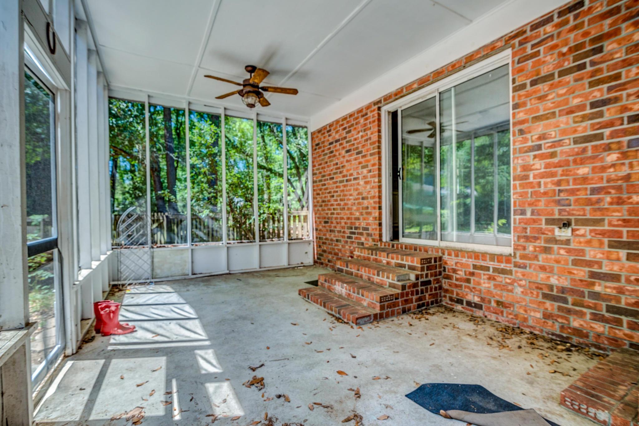 Fort Johnson Estates Homes For Sale - 800 Trapier, Charleston, SC - 4