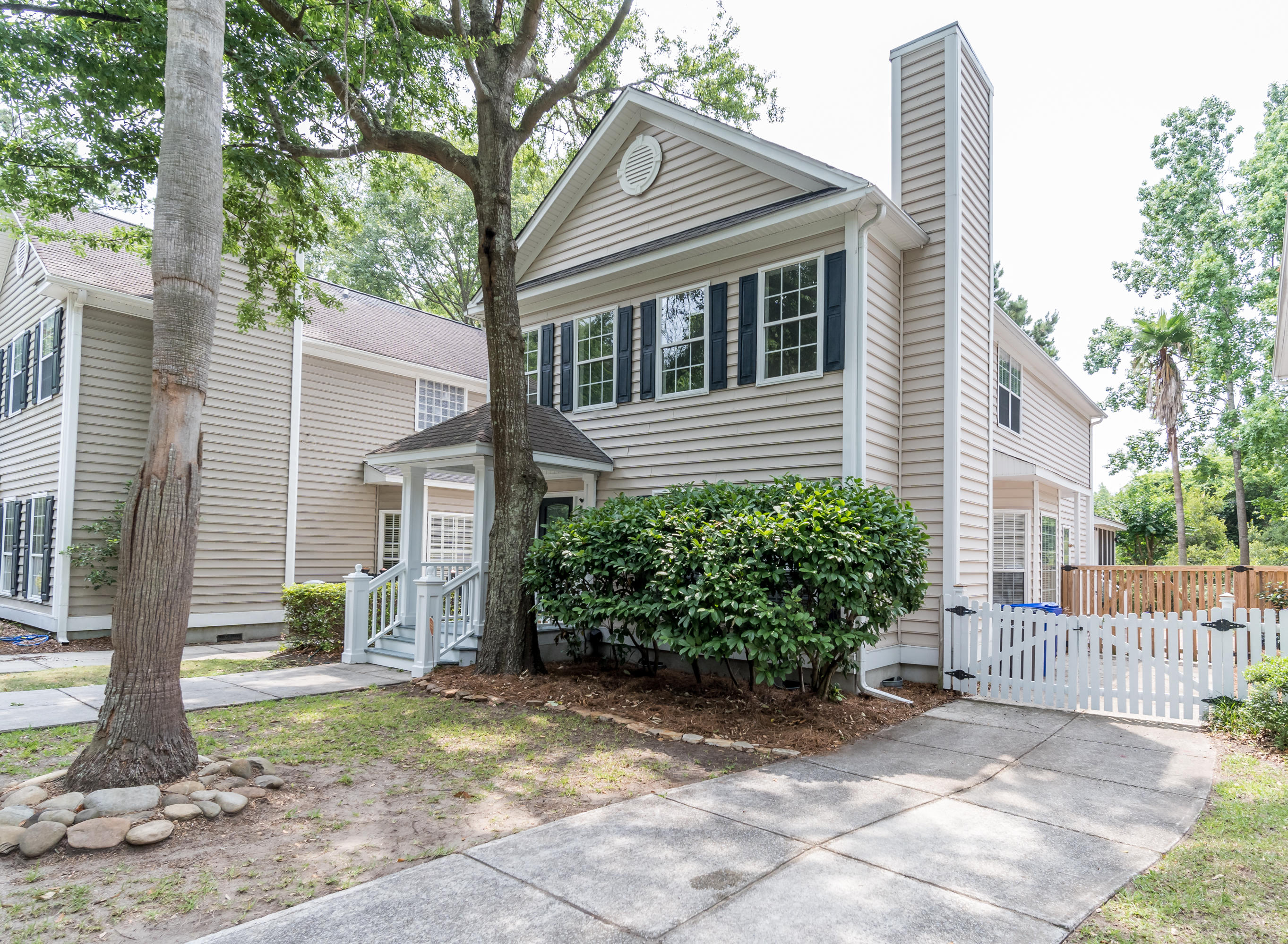 Queens Row Homes For Sale - 1117 Mathis Ferry, Mount Pleasant, SC - 9
