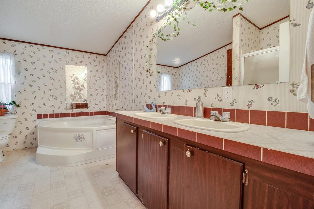 Pinehill Acres Homes For Sale - 205 Cady, Summerville, SC - 10
