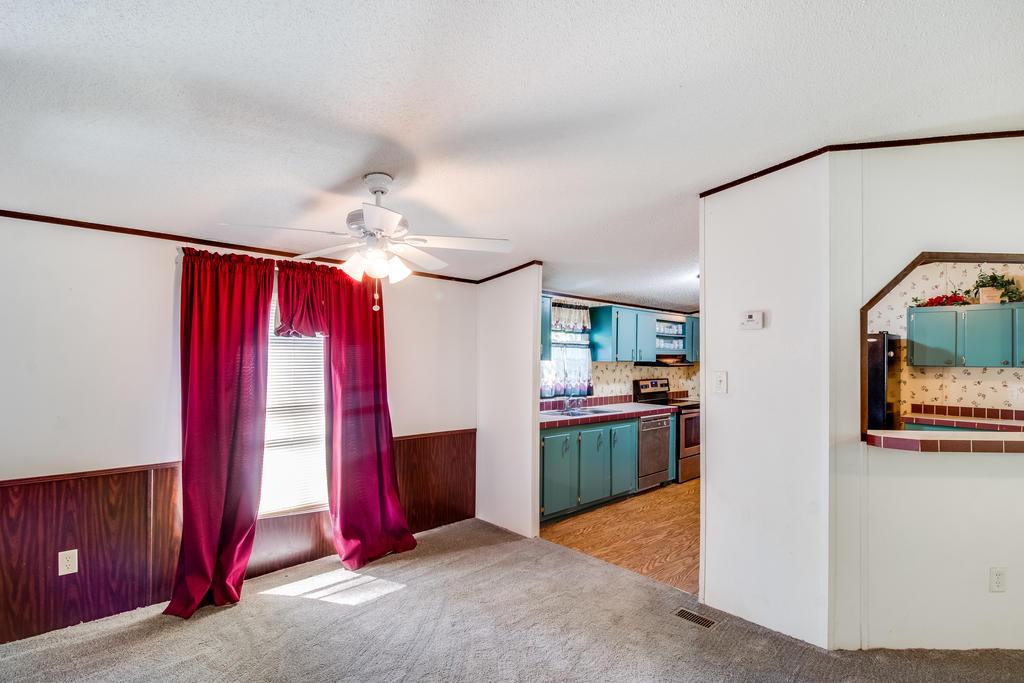 Pinehill Acres Homes For Sale - 205 Cady, Summerville, SC - 6