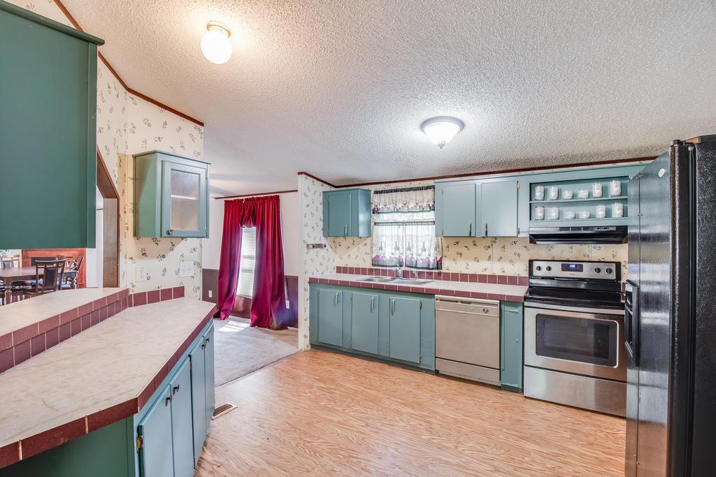 Pinehill Acres Homes For Sale - 205 Cady, Summerville, SC - 7