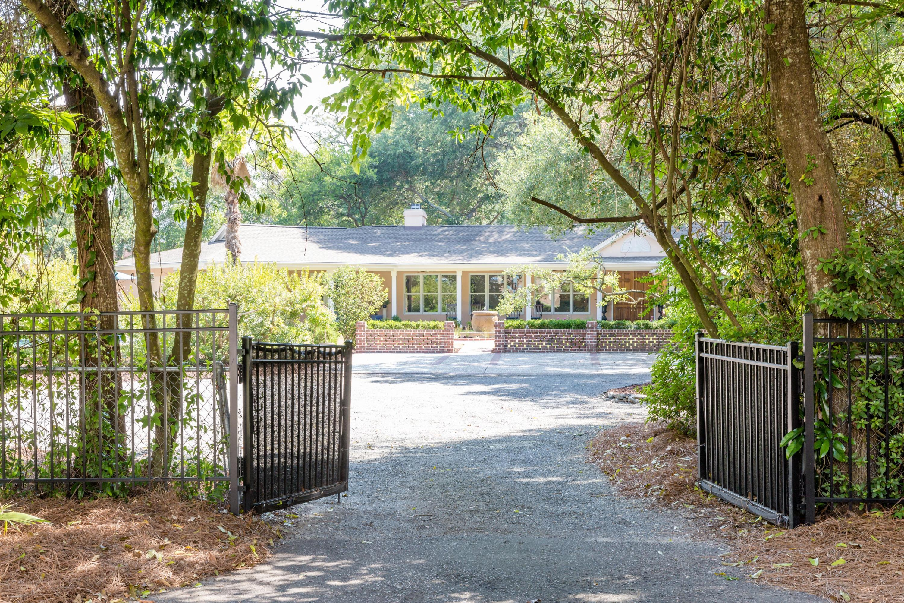 Old Village Homes For Sale - 424 Greenwich, Mount Pleasant, SC - 29