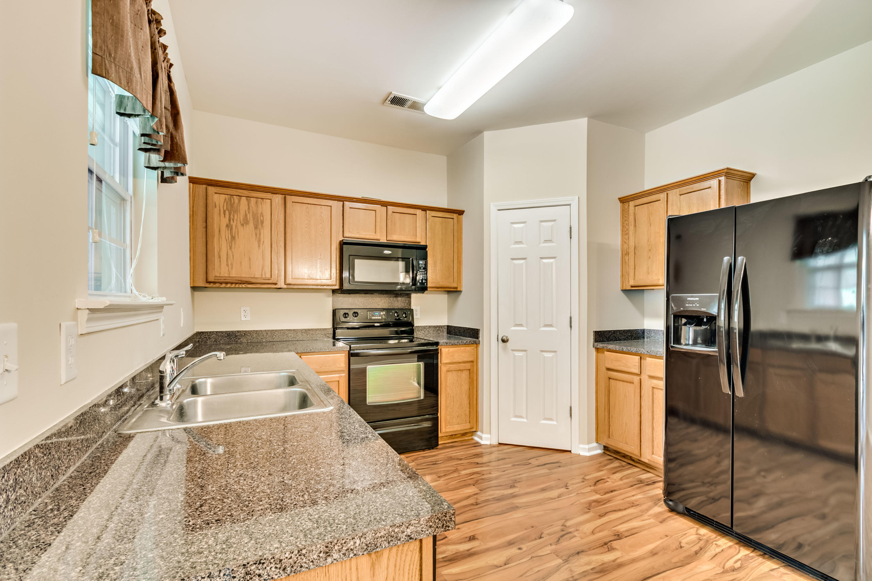 Townhomes at Berkeley Commons Homes For Sale - 232 Lamplighter, Summerville, SC - 27