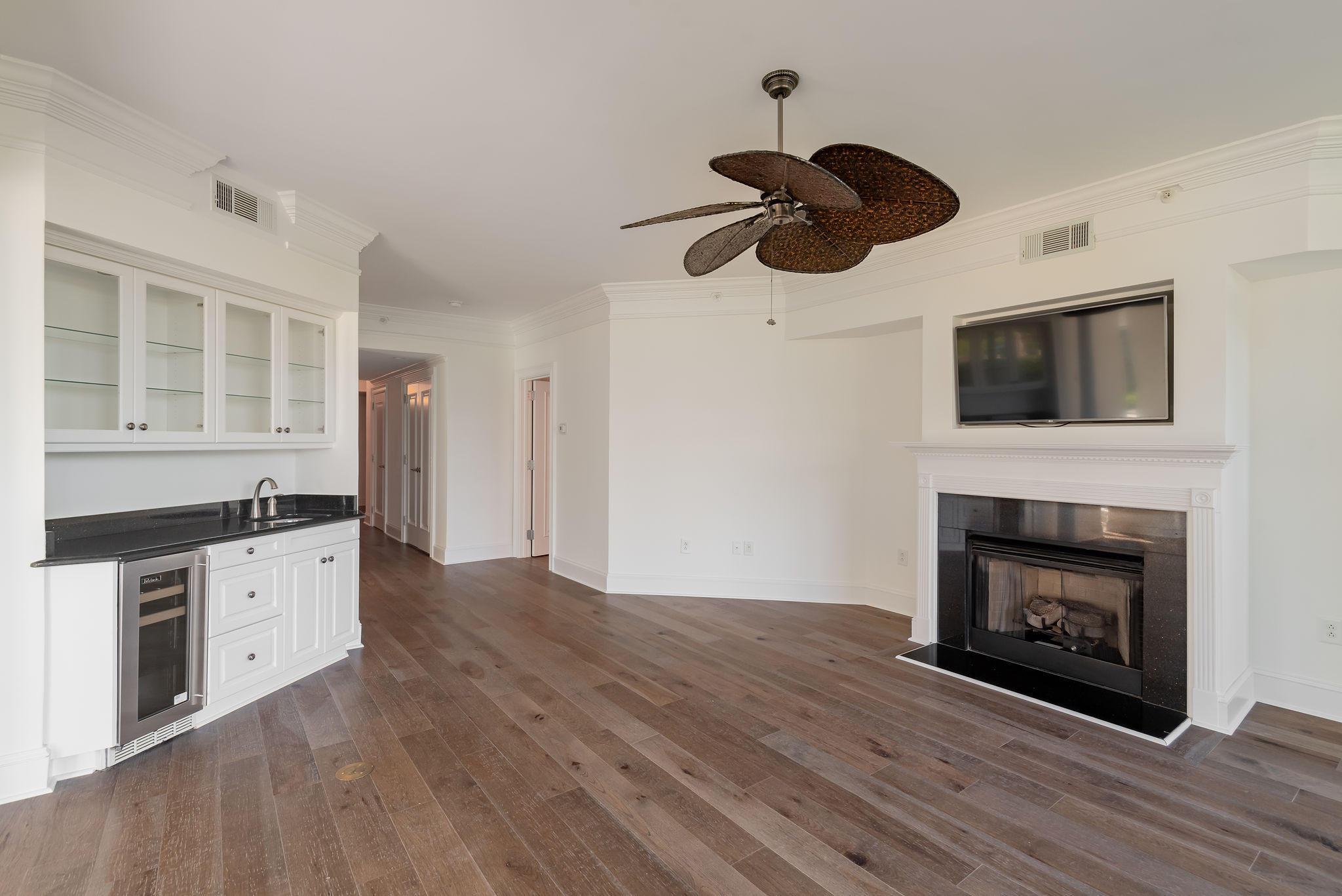 Renaissance On Chas Harbor Homes For Sale - 211 Plaza, Mount Pleasant, SC - 9