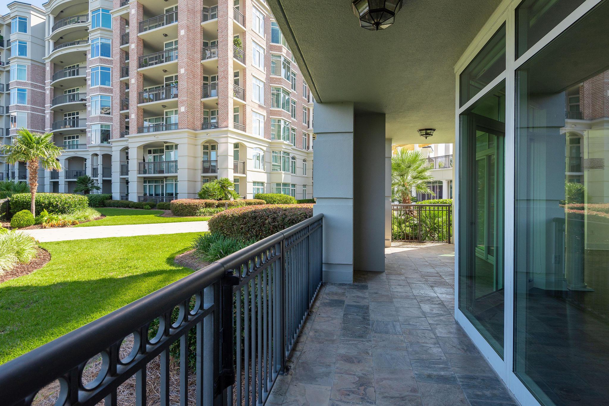 Renaissance On Chas Harbor Homes For Sale - 211 Plaza, Mount Pleasant, SC - 31
