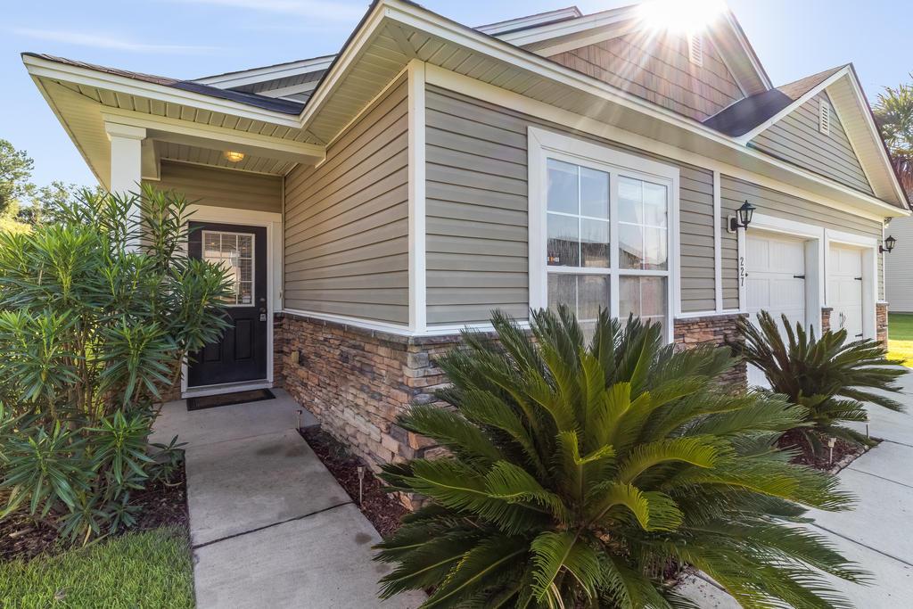 Felder Creek Homes For Sale - 227 Meadow Wood, Summerville, SC - 1