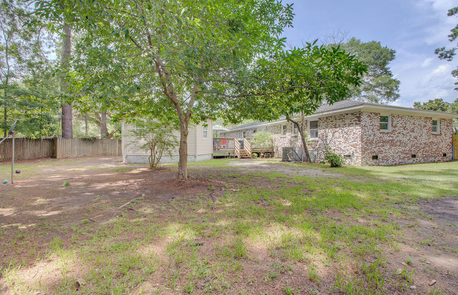 Photo of 110 County Rd S-18-334, Ladson, SC 29456
