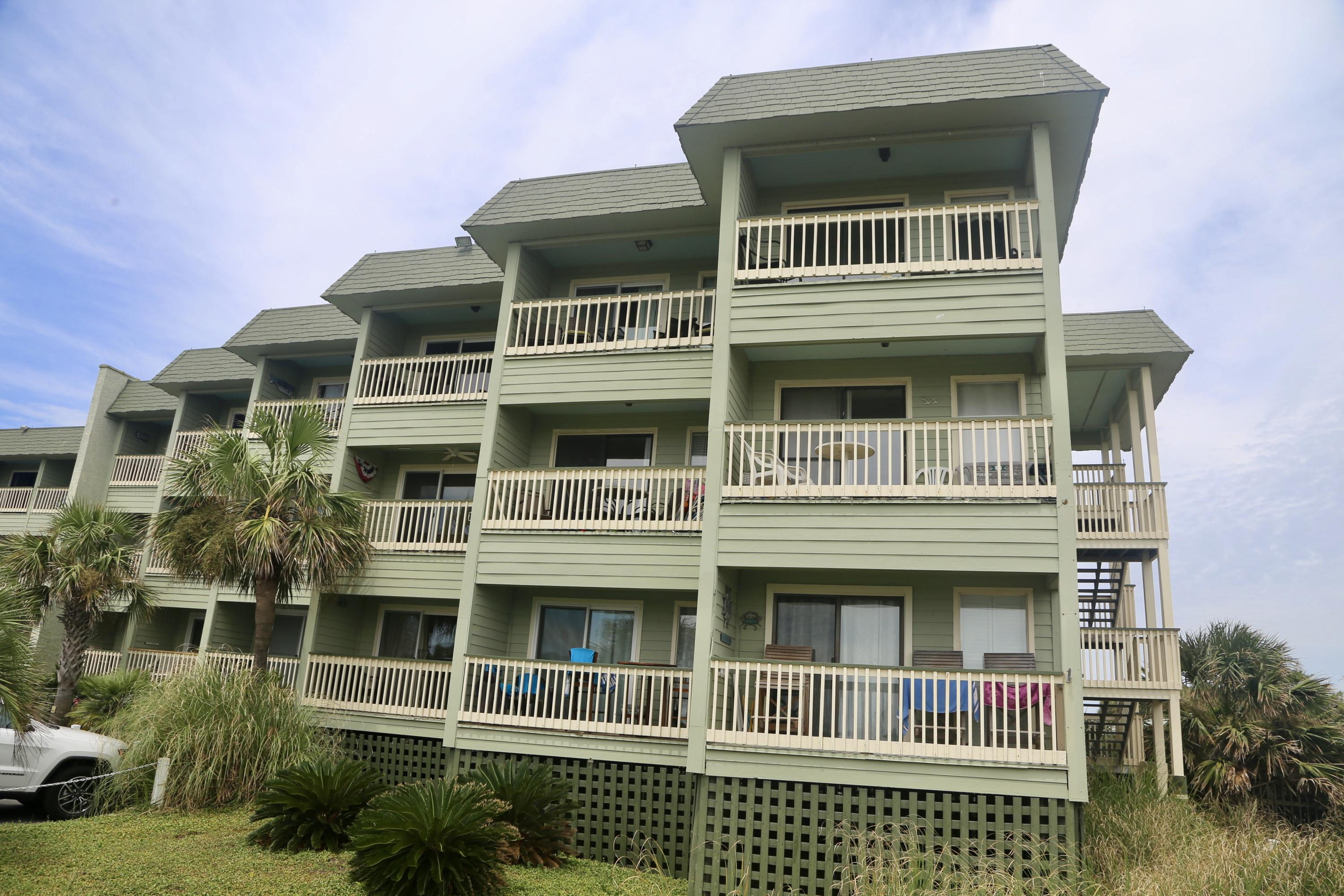 Sea Cabin On The Ocean Homes For Sale - 1300 Ocean, Isle of Palms, SC - 48