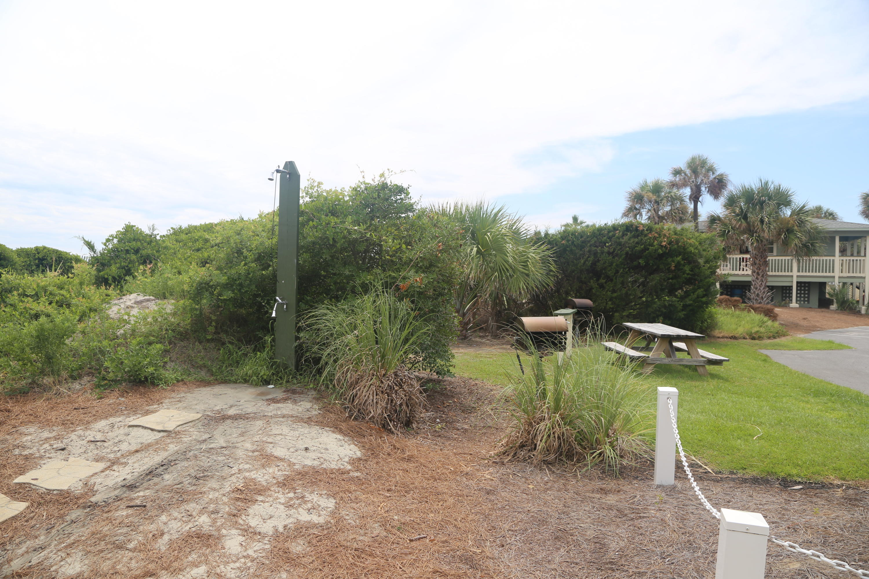 Sea Cabin On The Ocean Homes For Sale - 1300 Ocean, Isle of Palms, SC - 2