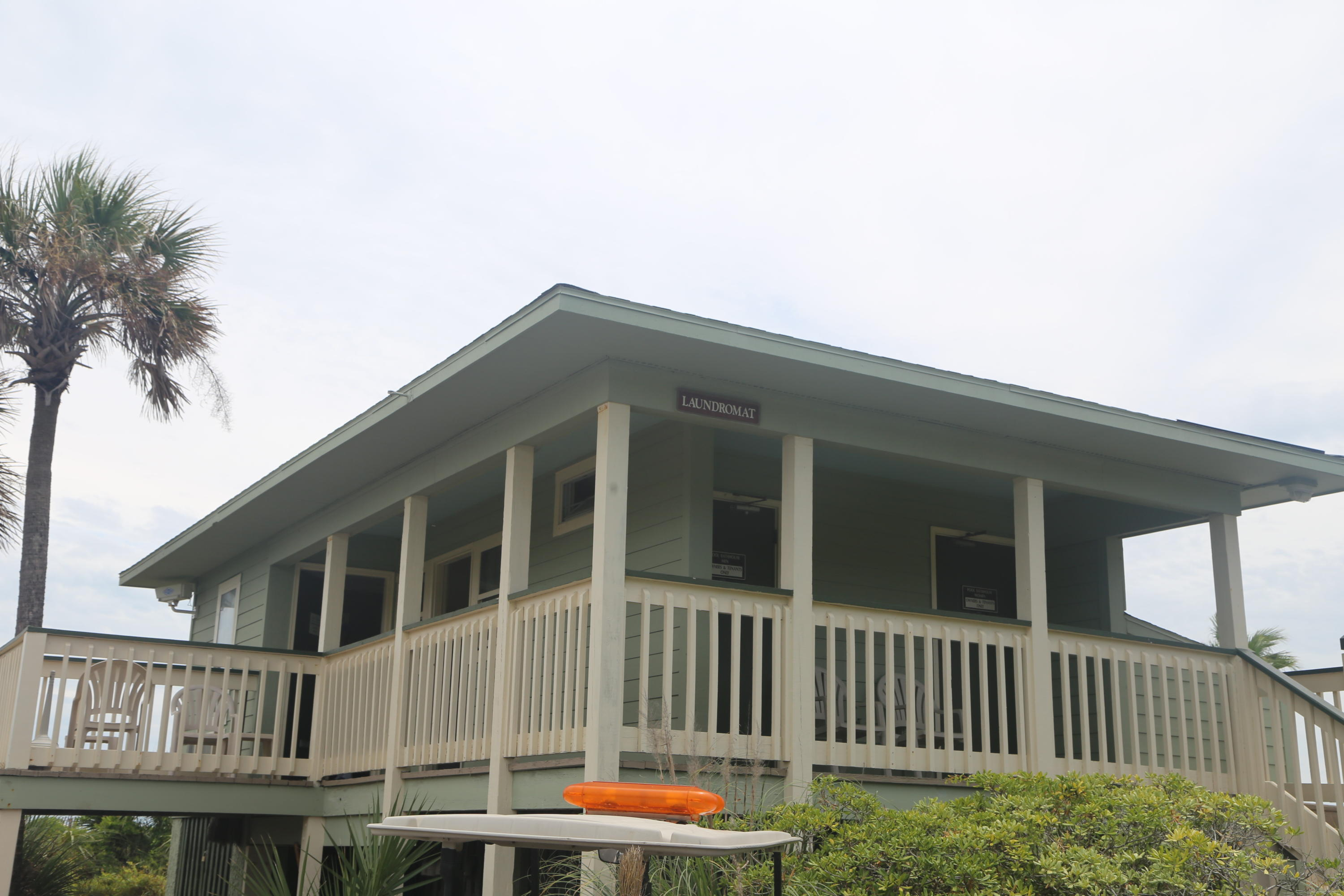 Sea Cabin On The Ocean Homes For Sale - 1300 Ocean, Isle of Palms, SC - 9