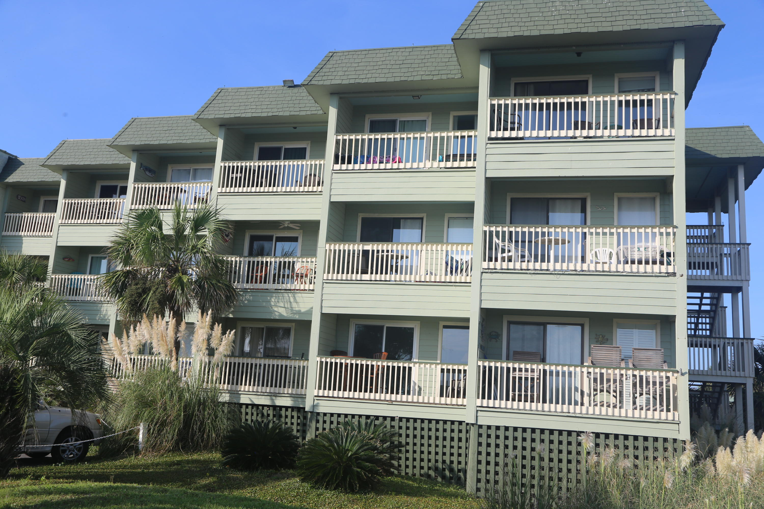 Sea Cabin On The Ocean Homes For Sale - 1300 Ocean, Isle of Palms, SC - 40