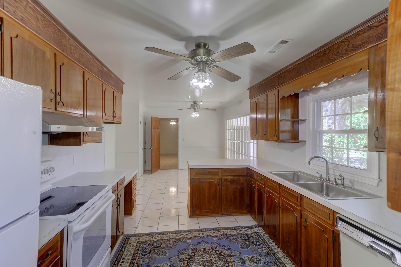 Fort Johnson Estates Homes For Sale - 855 Robert E Lee, Charleston, SC - 2