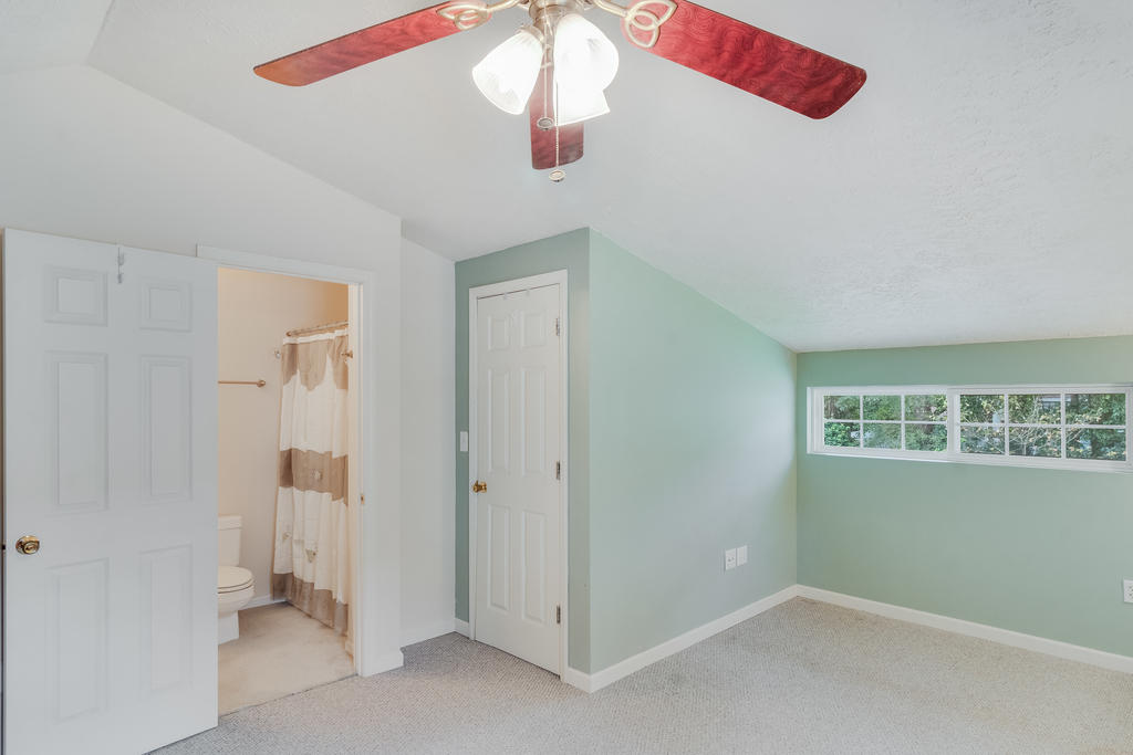 Snee Farm Homes For Sale - 934 Law, Mount Pleasant, SC - 33
